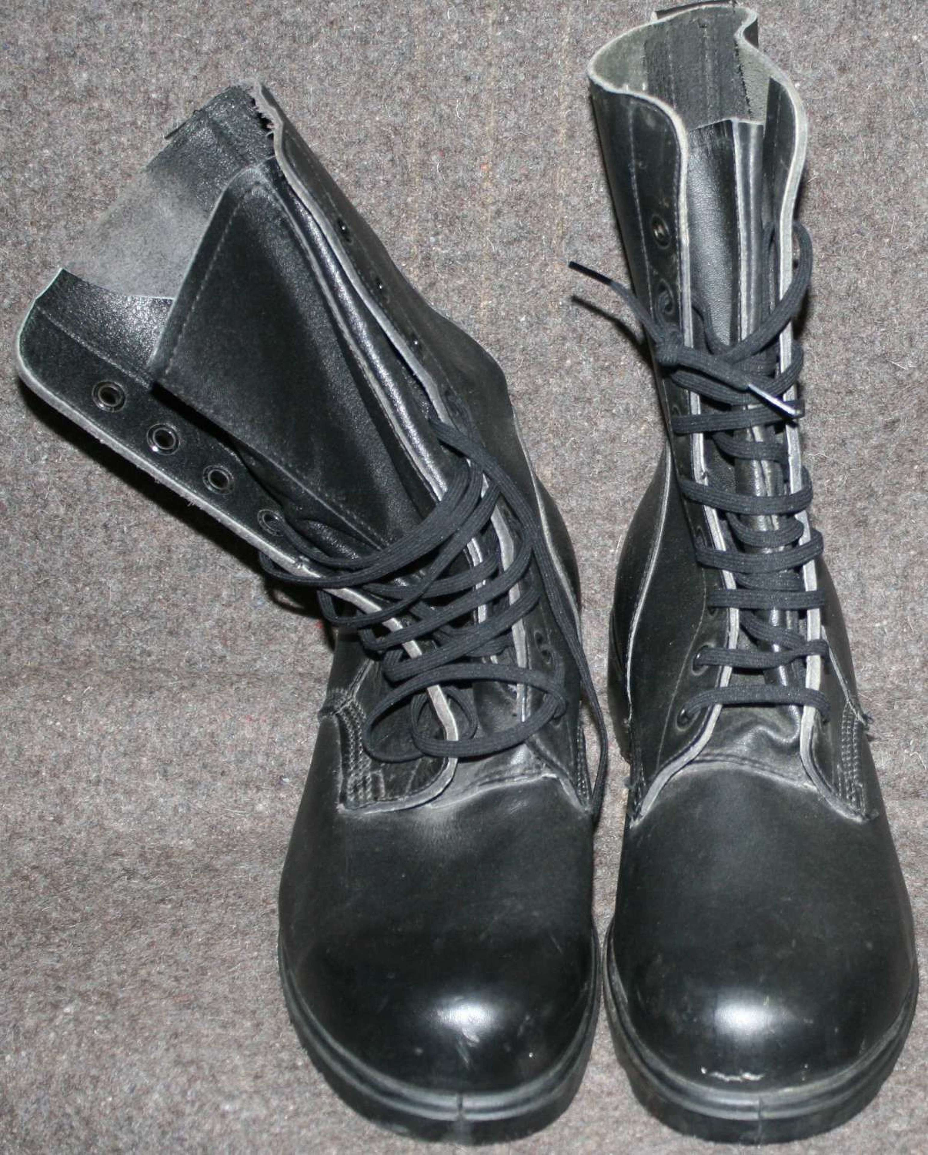 A PAIR OF NEAR MINT BRITISH 1984 DATED HIGH LEG BOOTS SIZE 10