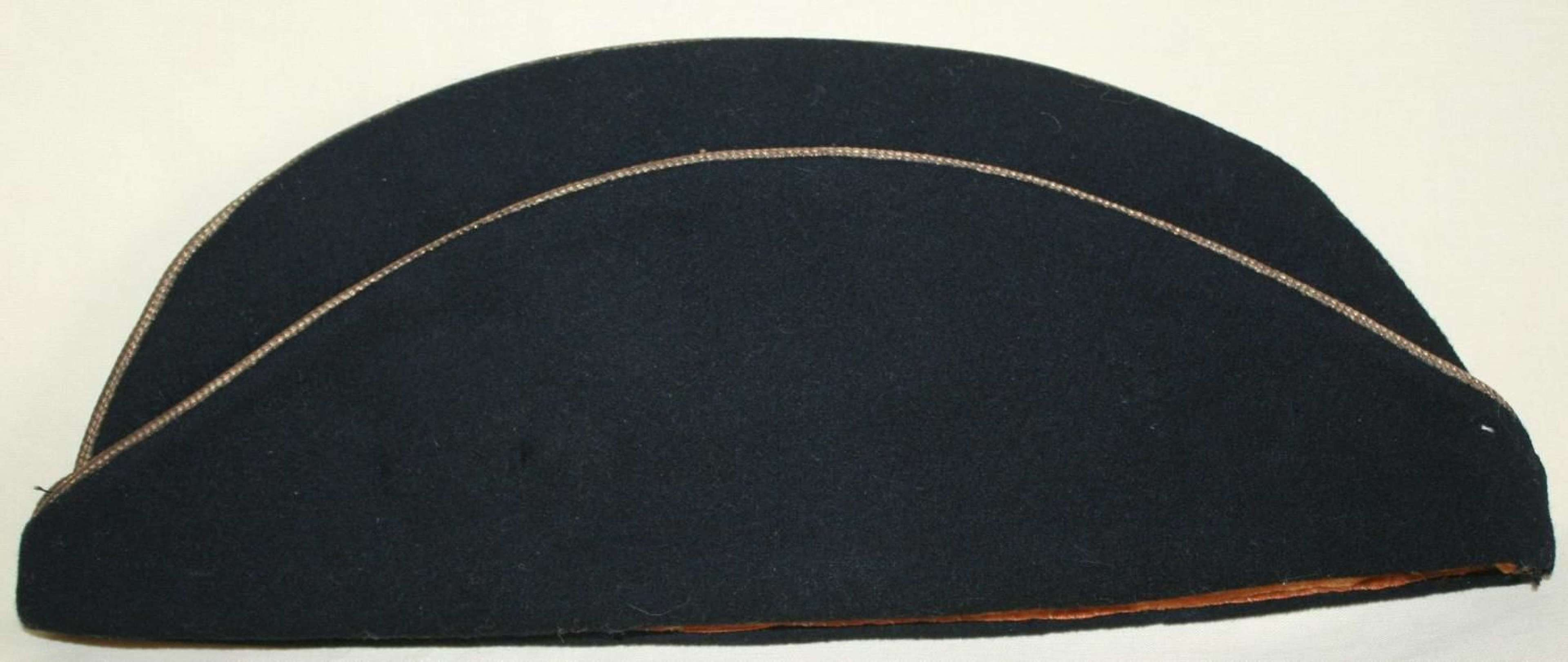 A POST WWII 4th / 7TH HUSSARS OFFICERS TORIN CAP