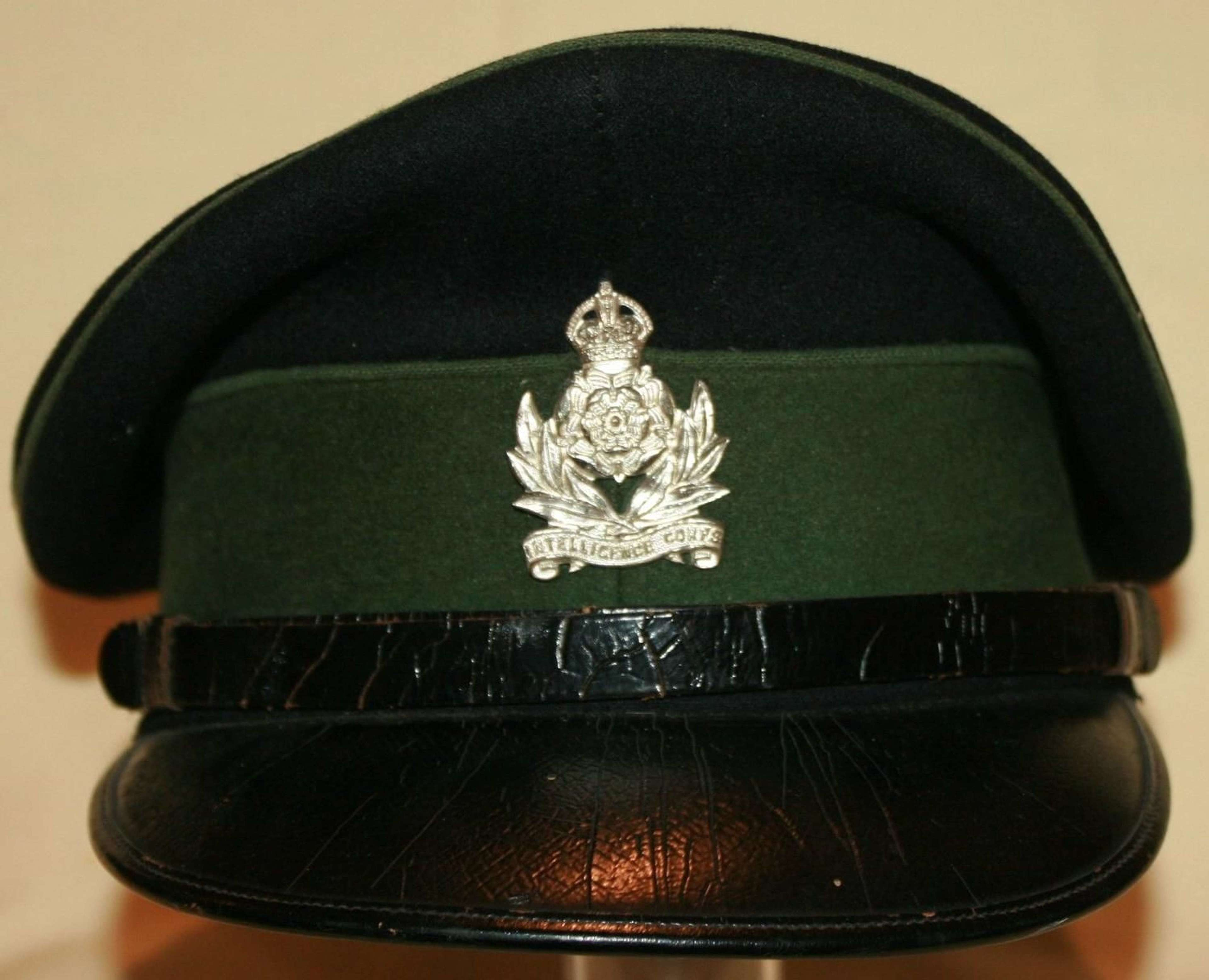 A EARLY POST WAR INTELLIGENCE CORPS OFFICERS CAP