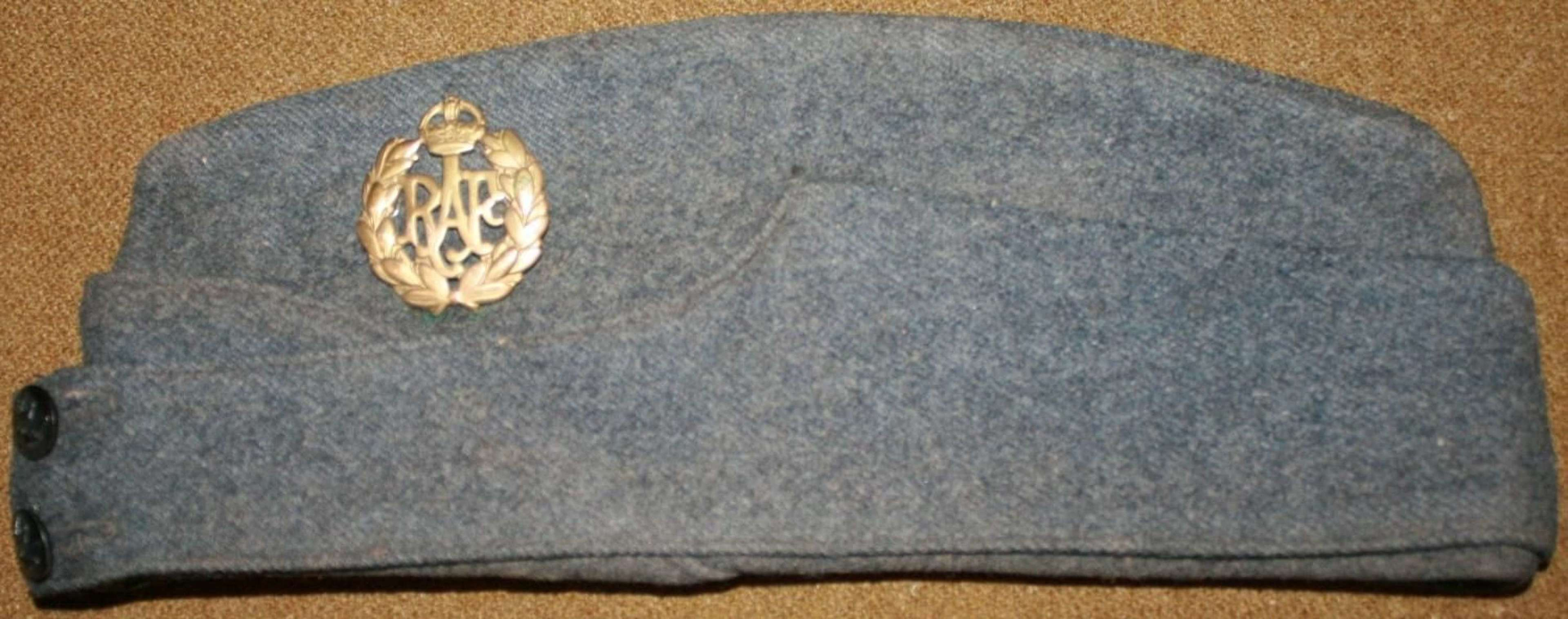 A WWII 1943 DATED RAF SIDE CAP SIZE 7 1/8
