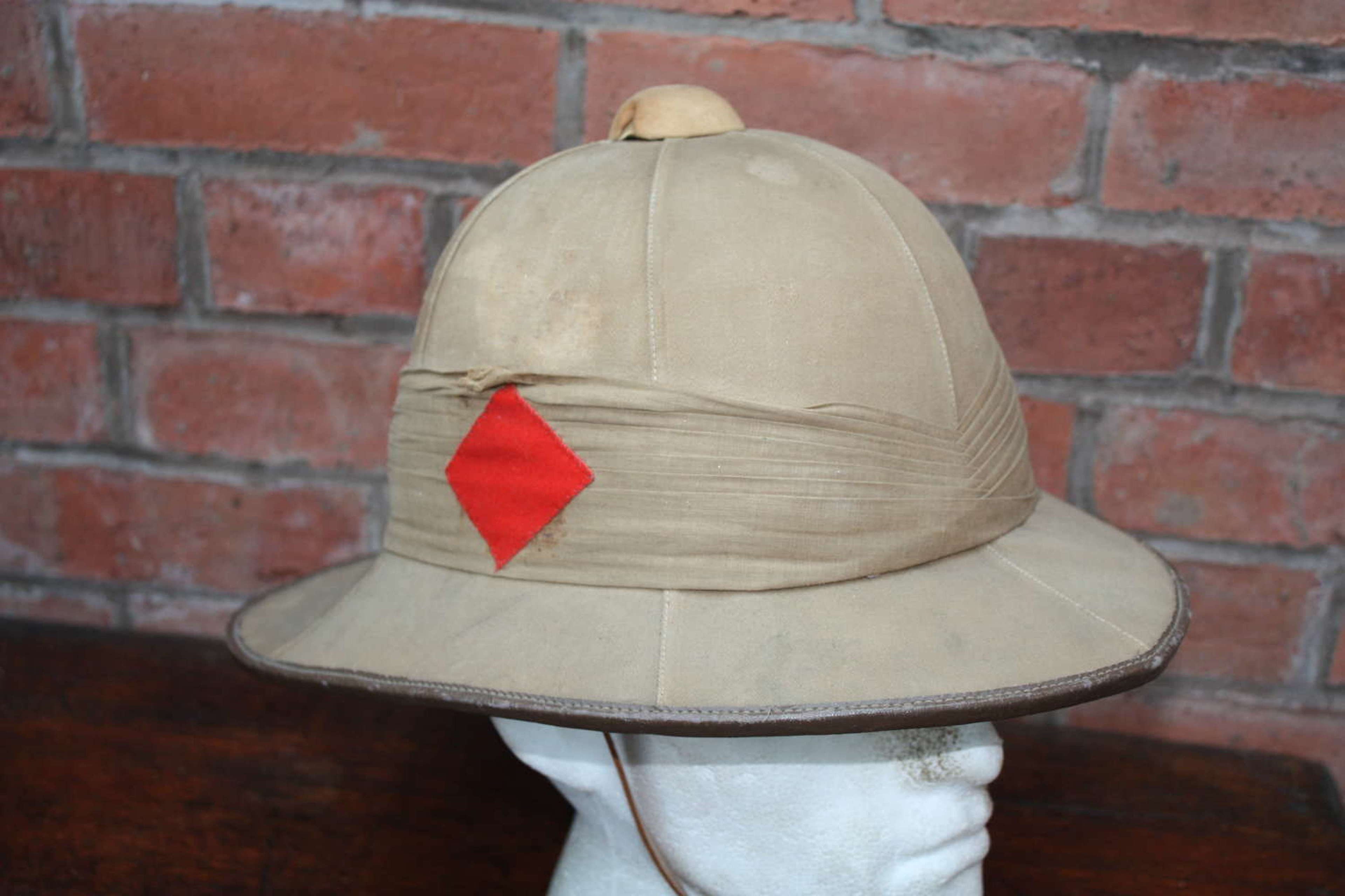 Officers Post WW1 Pith Sun Helmet with diamond flash