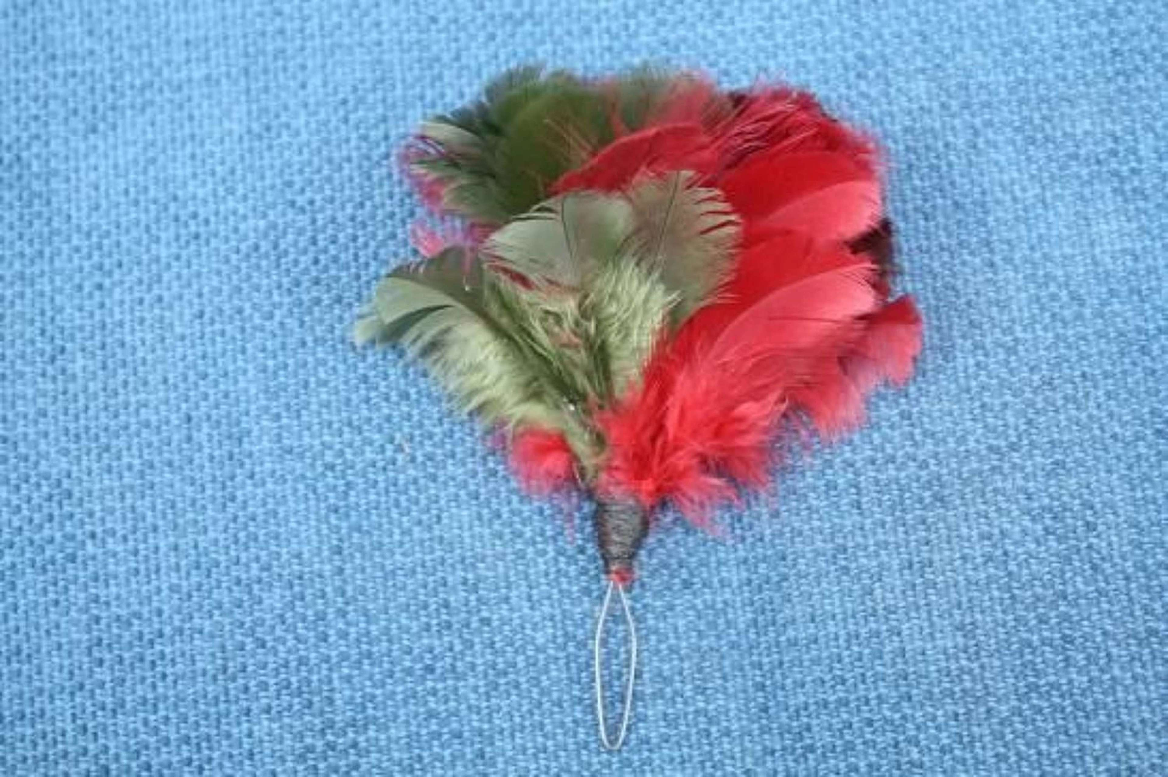 Royal Tank Regiment brown, red and green hackle / feather plume.
