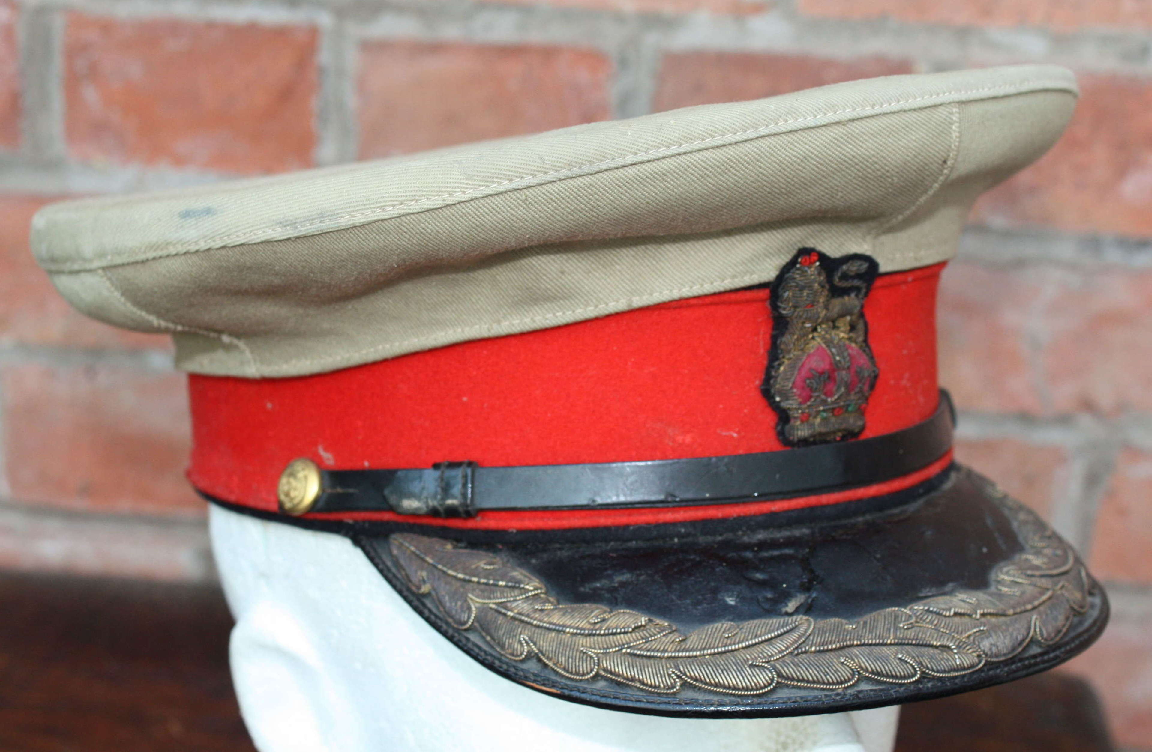 WW1 SENIOR BRITISH OFFICERS DRESS CAP WITH KHAKI COVER