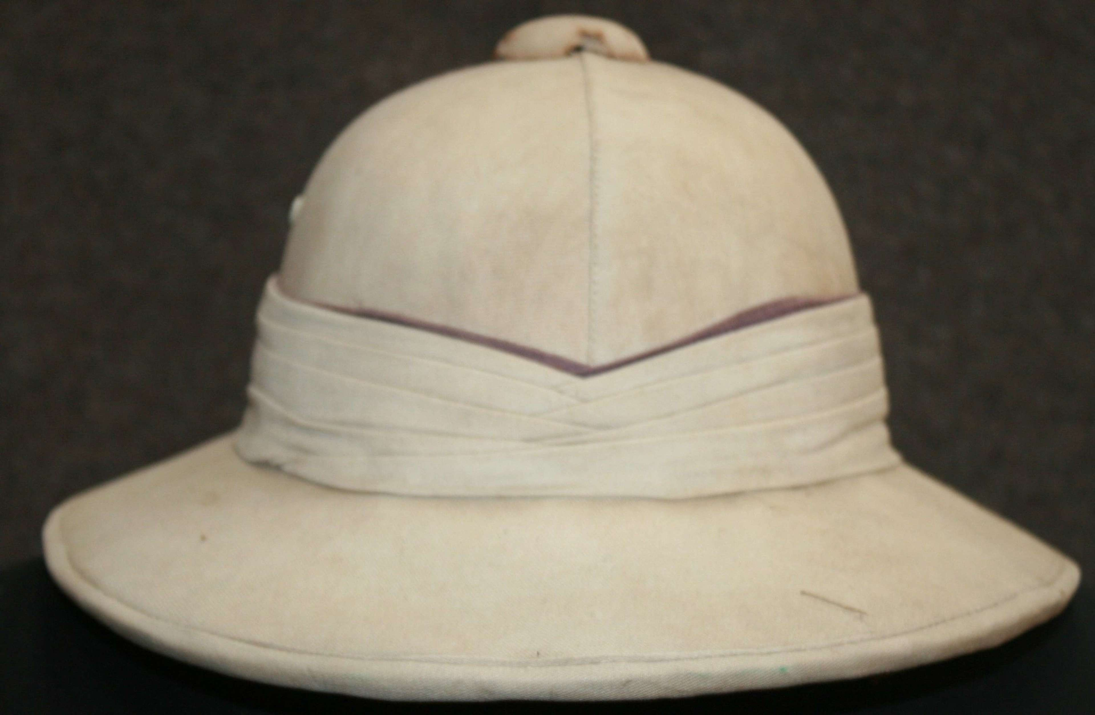 A PRIVATE PURCHASE ROYAL NAVY SOLAR HELMET