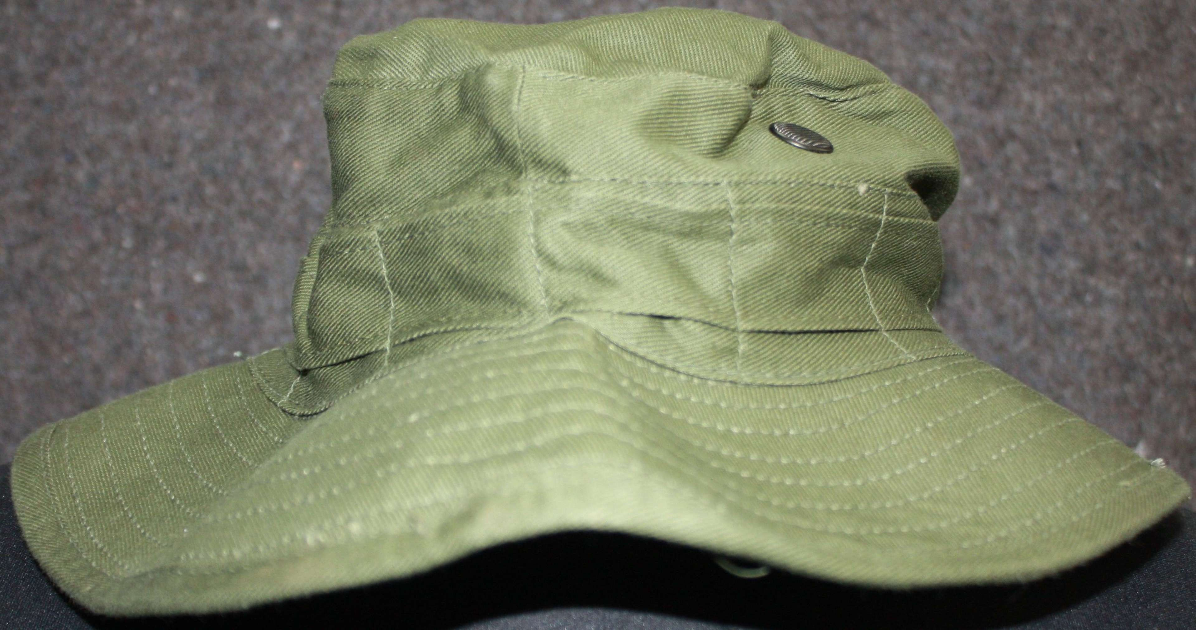 A POST WWII BRITISH FORCES BUSH HAT