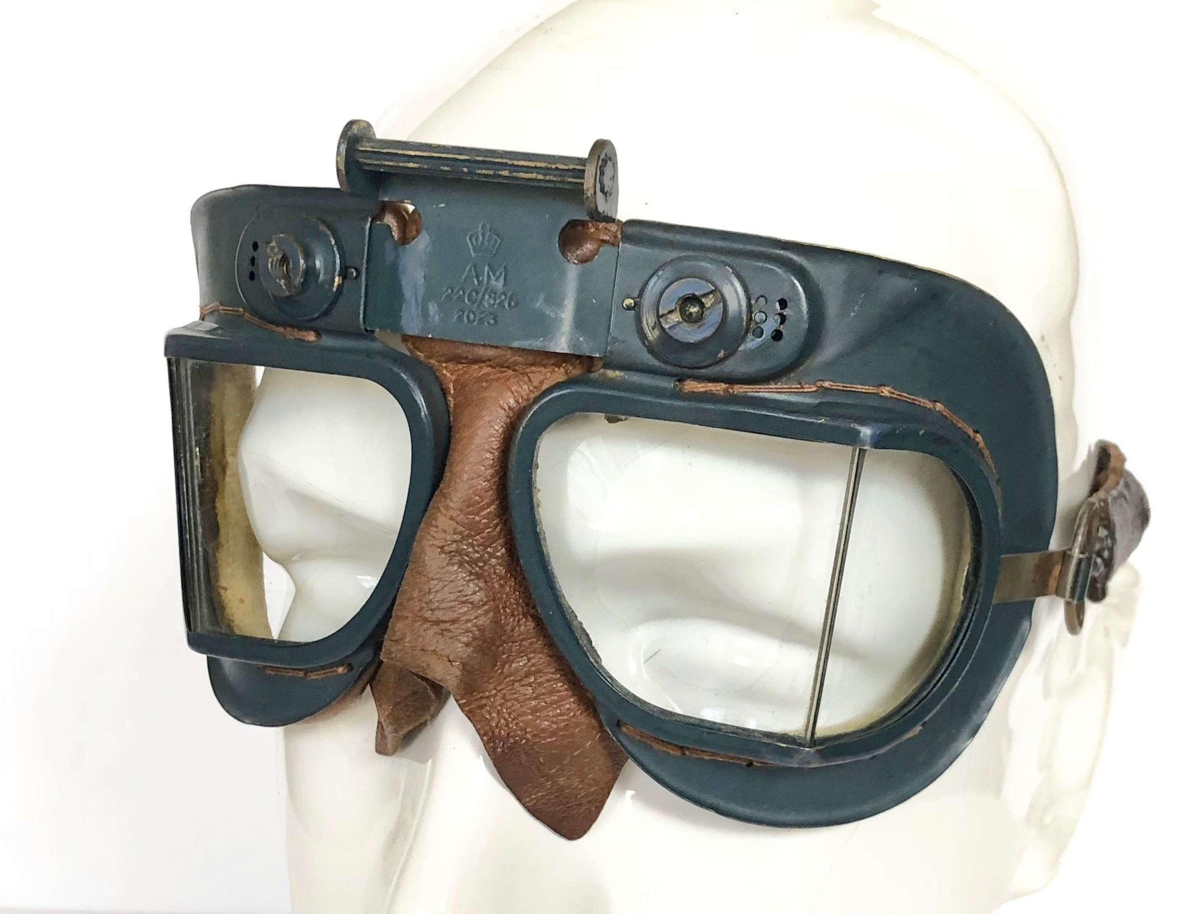 WW2 RAF MKVII First Pattern Flying Goggles.