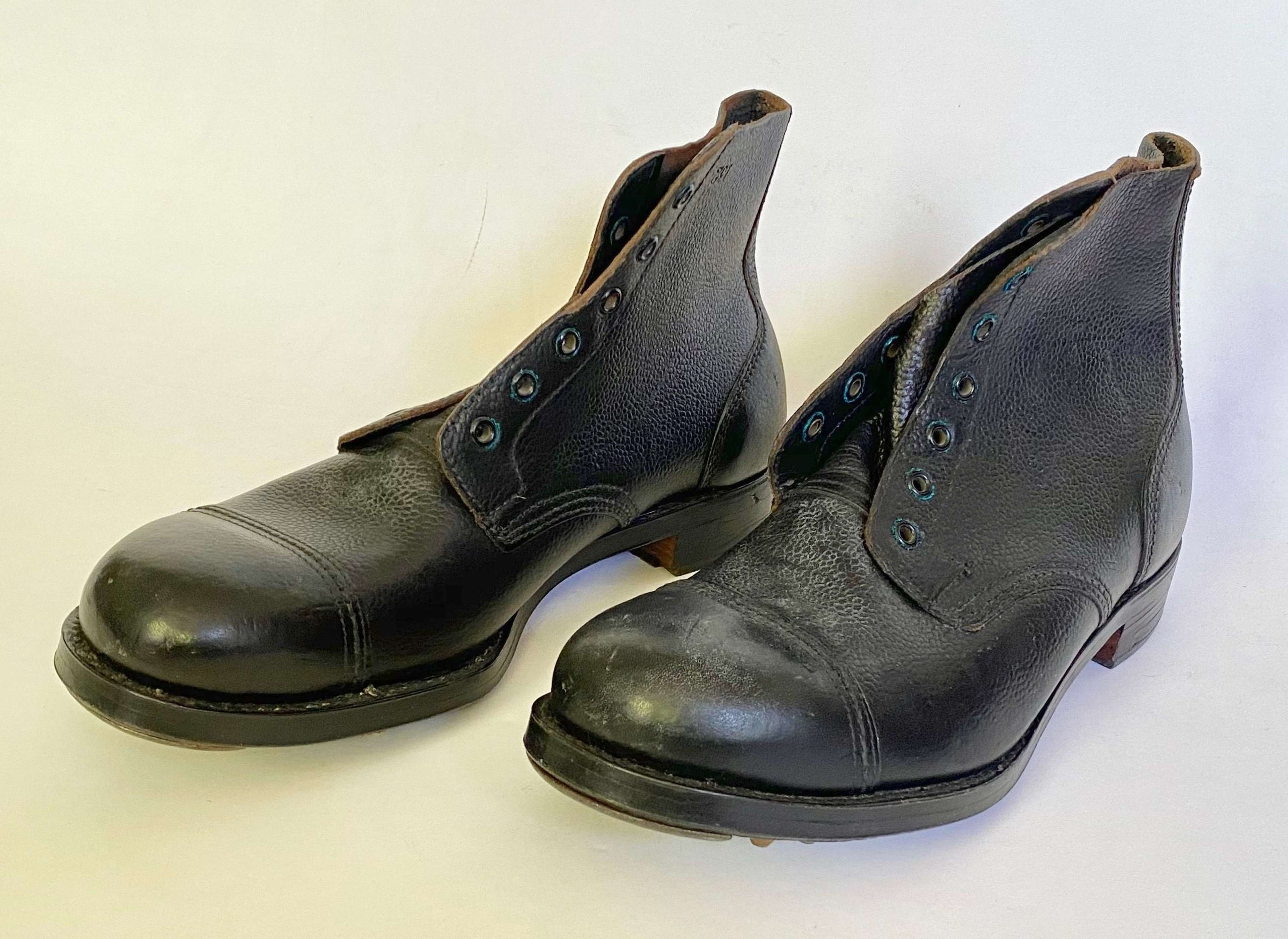 W2 1945 British Army Issue Ammo Boots Size 9.