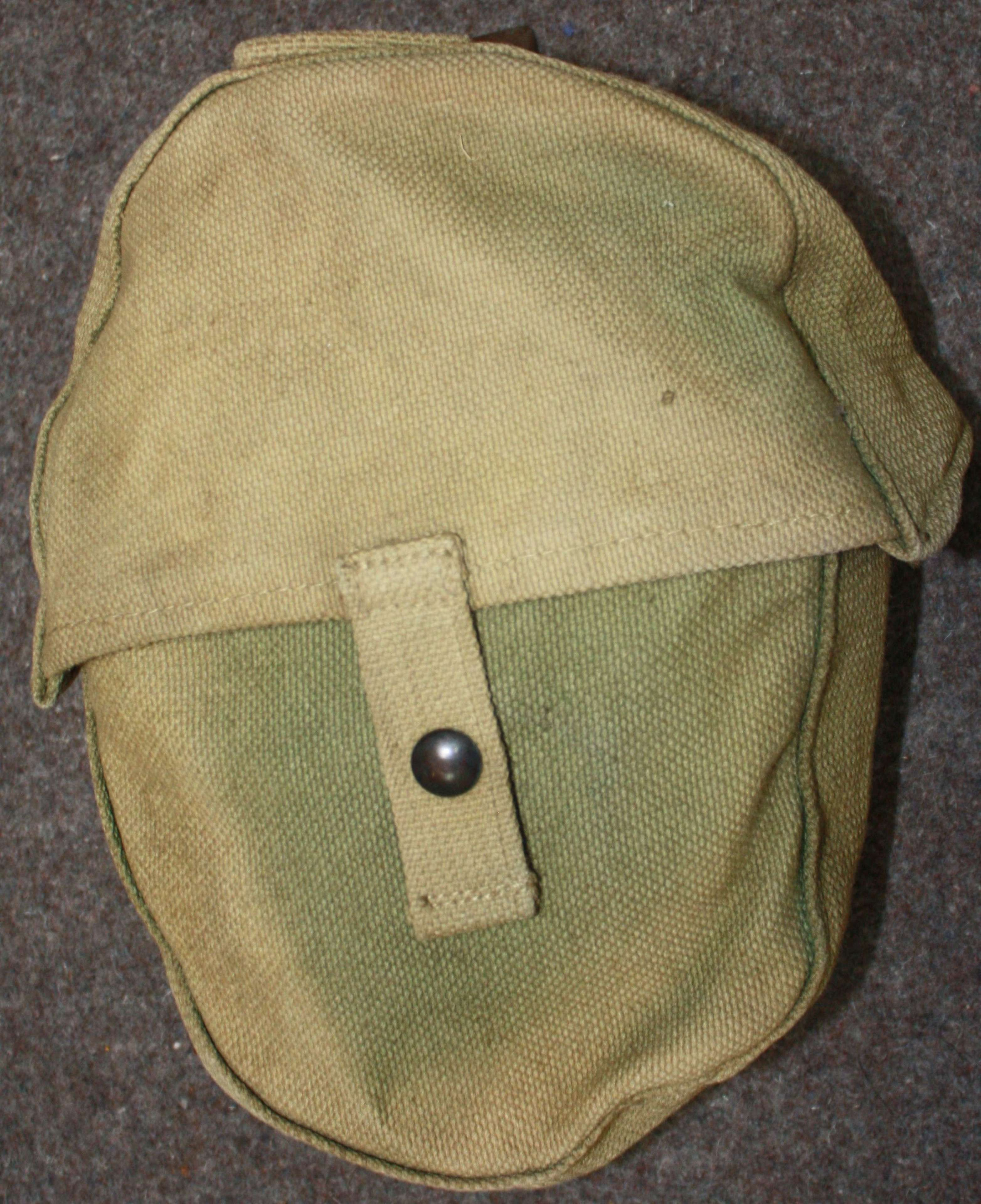 A WWII GREEN SOUTH AFRICAN MADE LEWIS GUN MAGAZINE AMMO POUCH