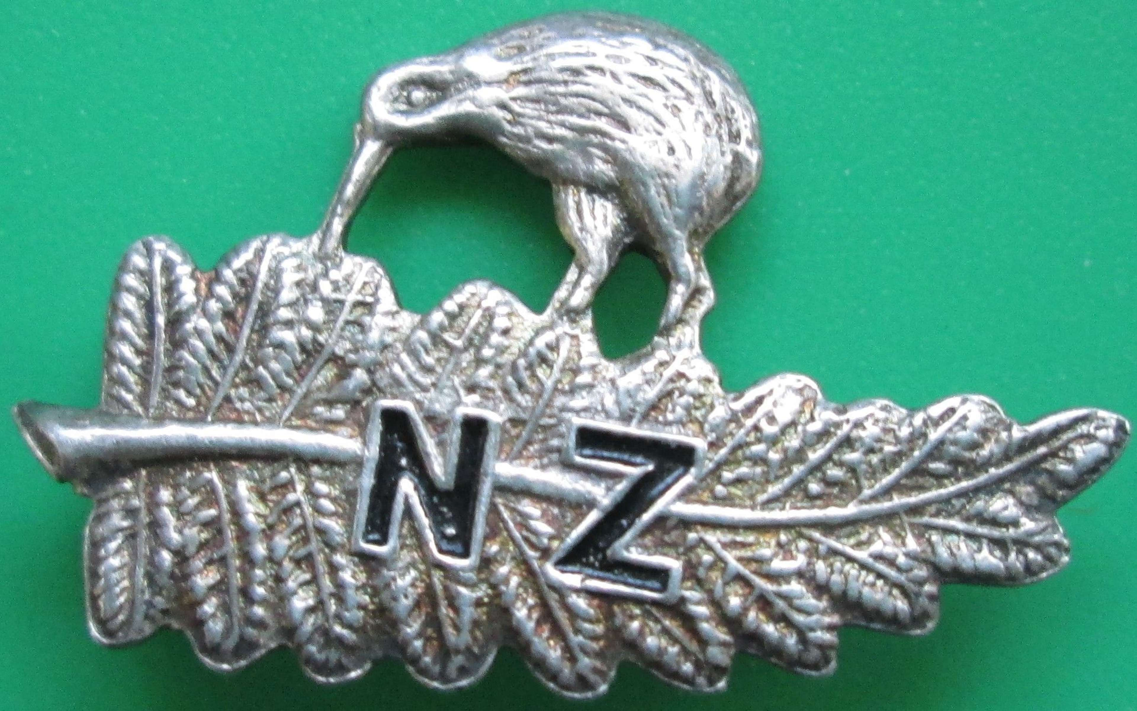 A SMALL SILVER NEW ZEALAND SWEETHEART BROOCH