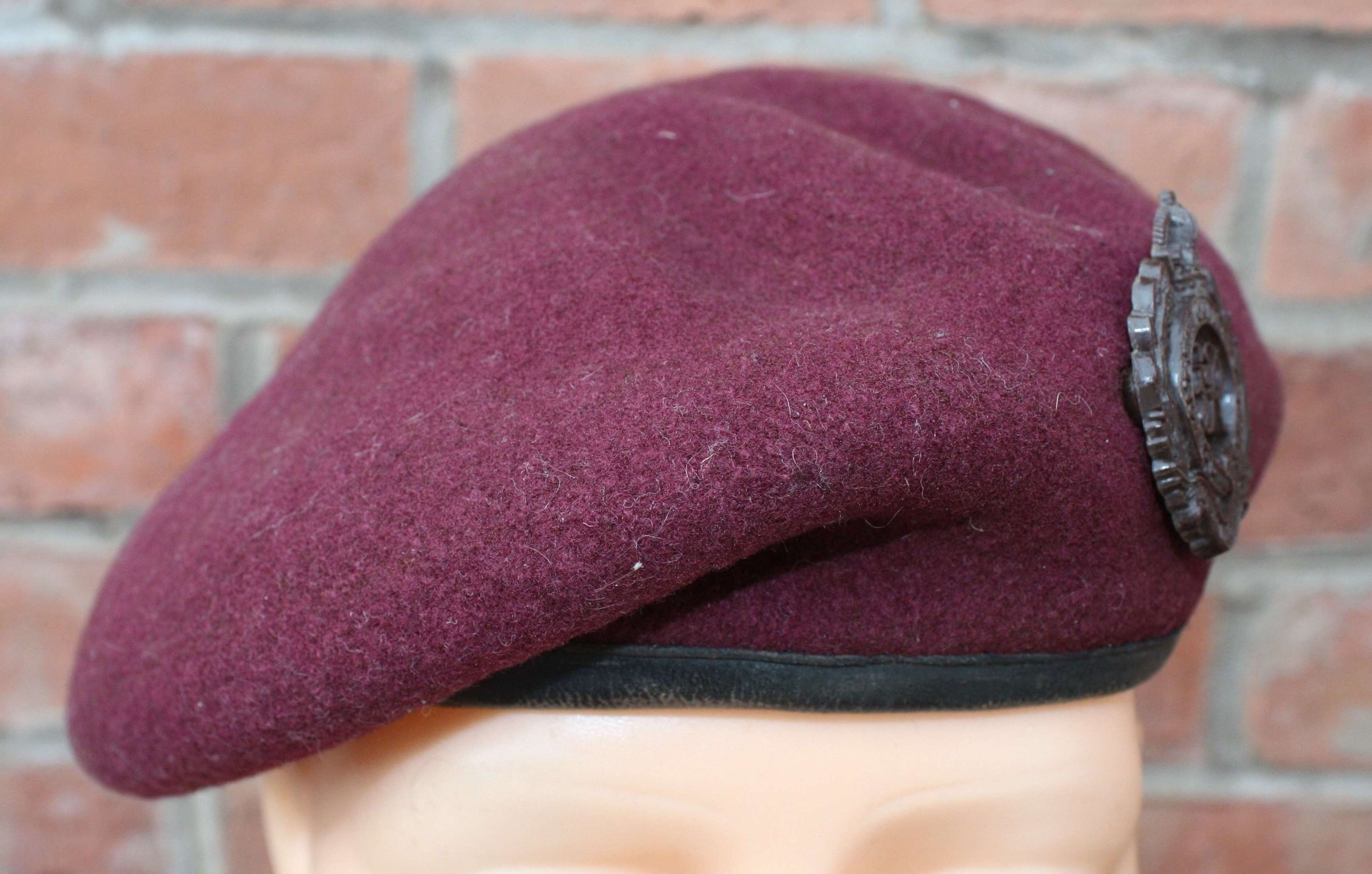 1943 Dated Airborne Parachutist Trooper's Maroon Beret Royal Engineers