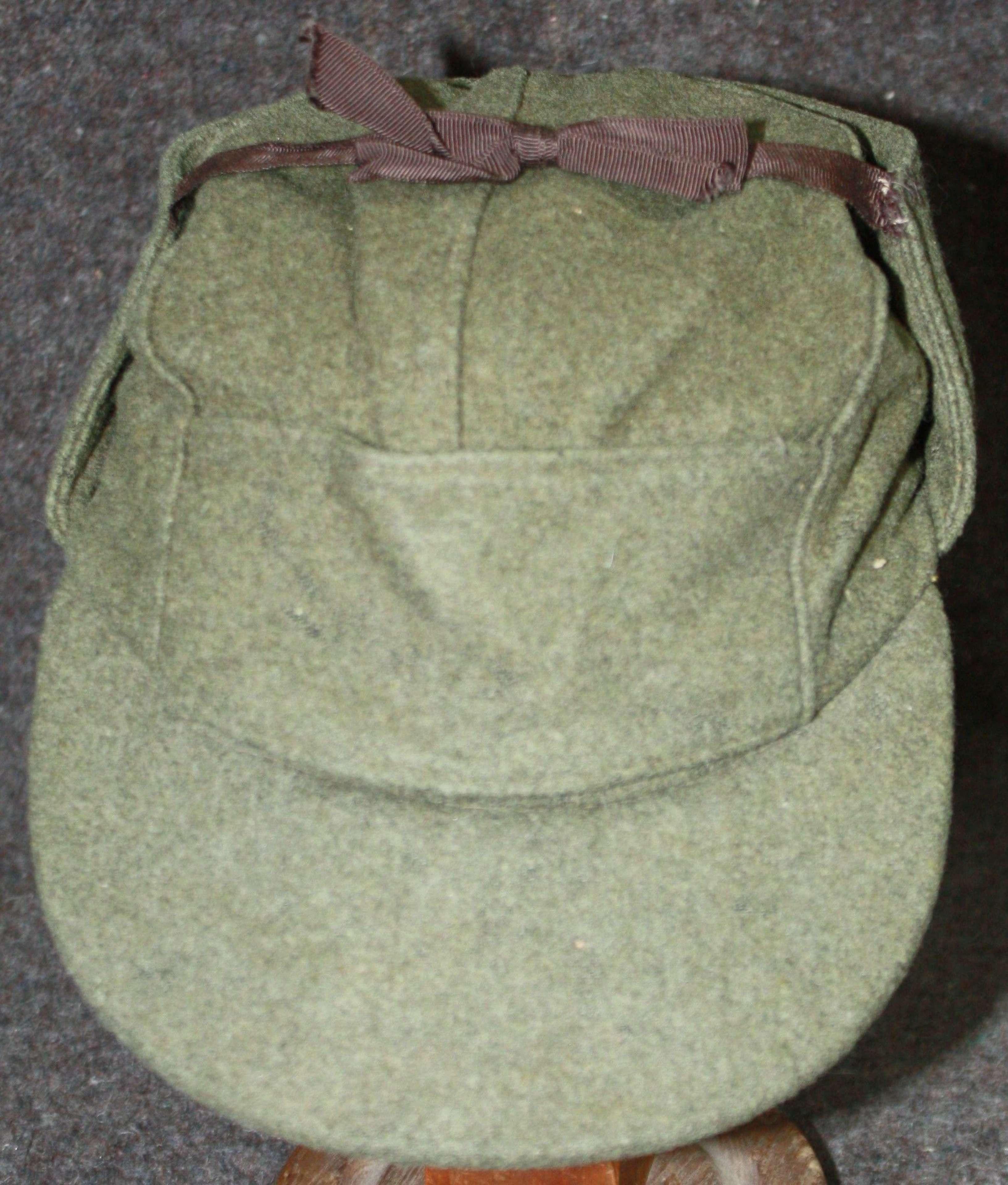 A WWII CANADIAN DMC CAP 1943 DATED