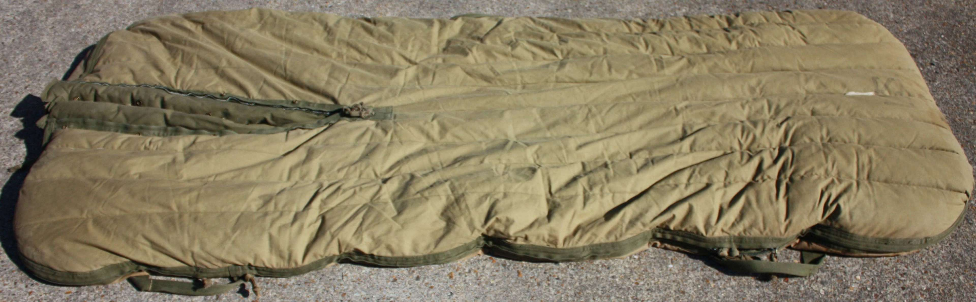 A MARCH 1944 DATED US ARMY CASUALTY SLEEPING BAG