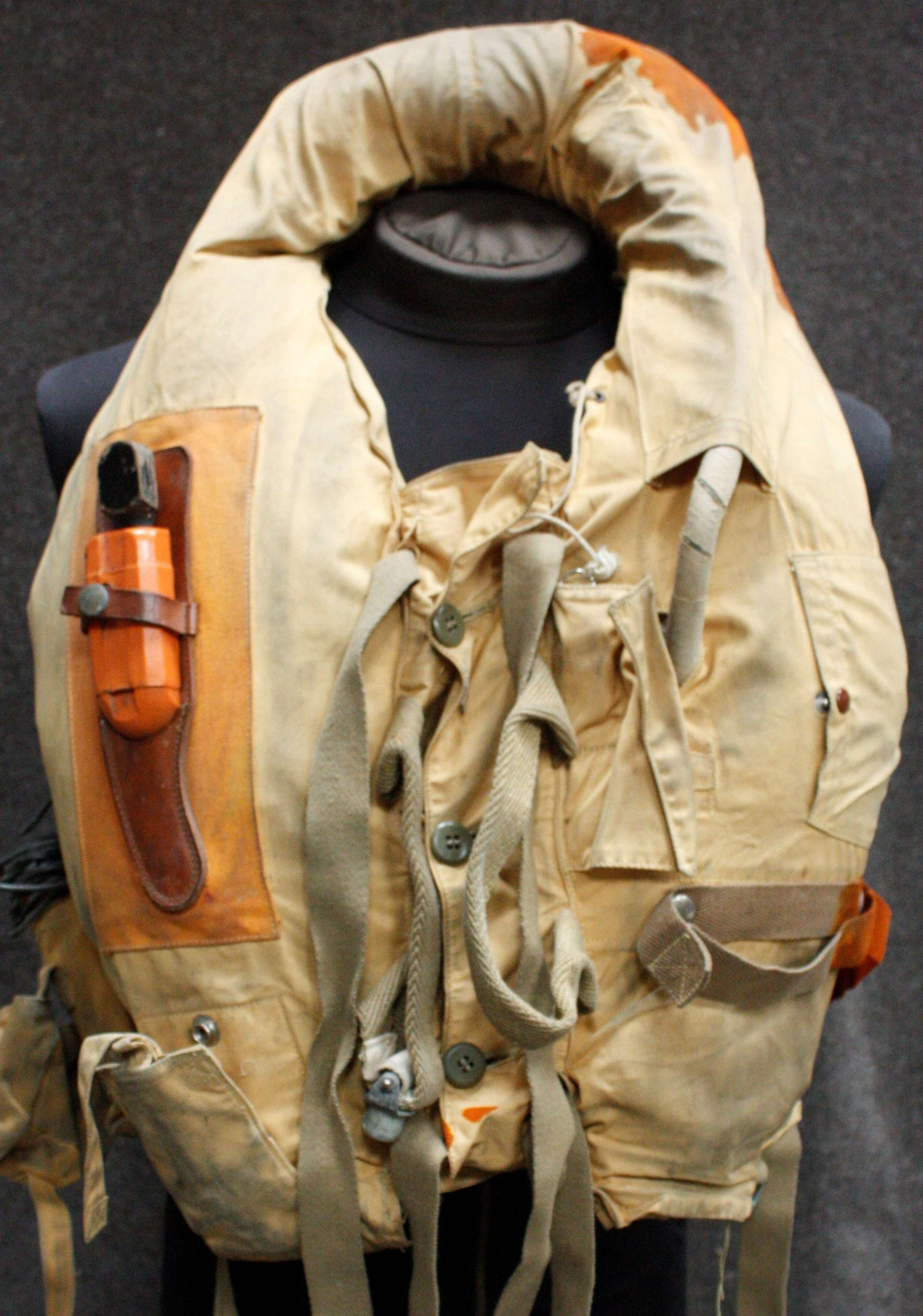 A RAF / FLEET AIR ARM COMPLETE MAE WEST SET UP + OTHER BITS NAMED LOT
