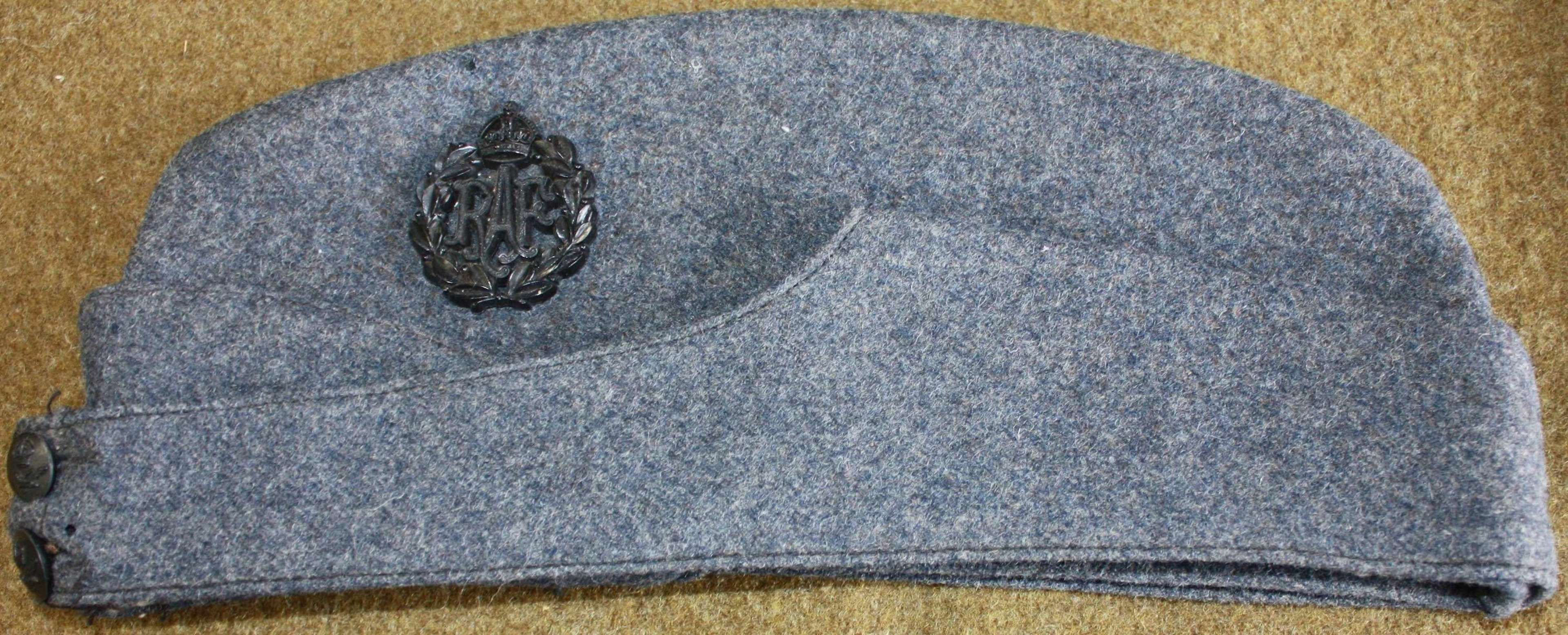 A SIZE 7 1945 DATED RAF OTHER RANKS SIDE CAP