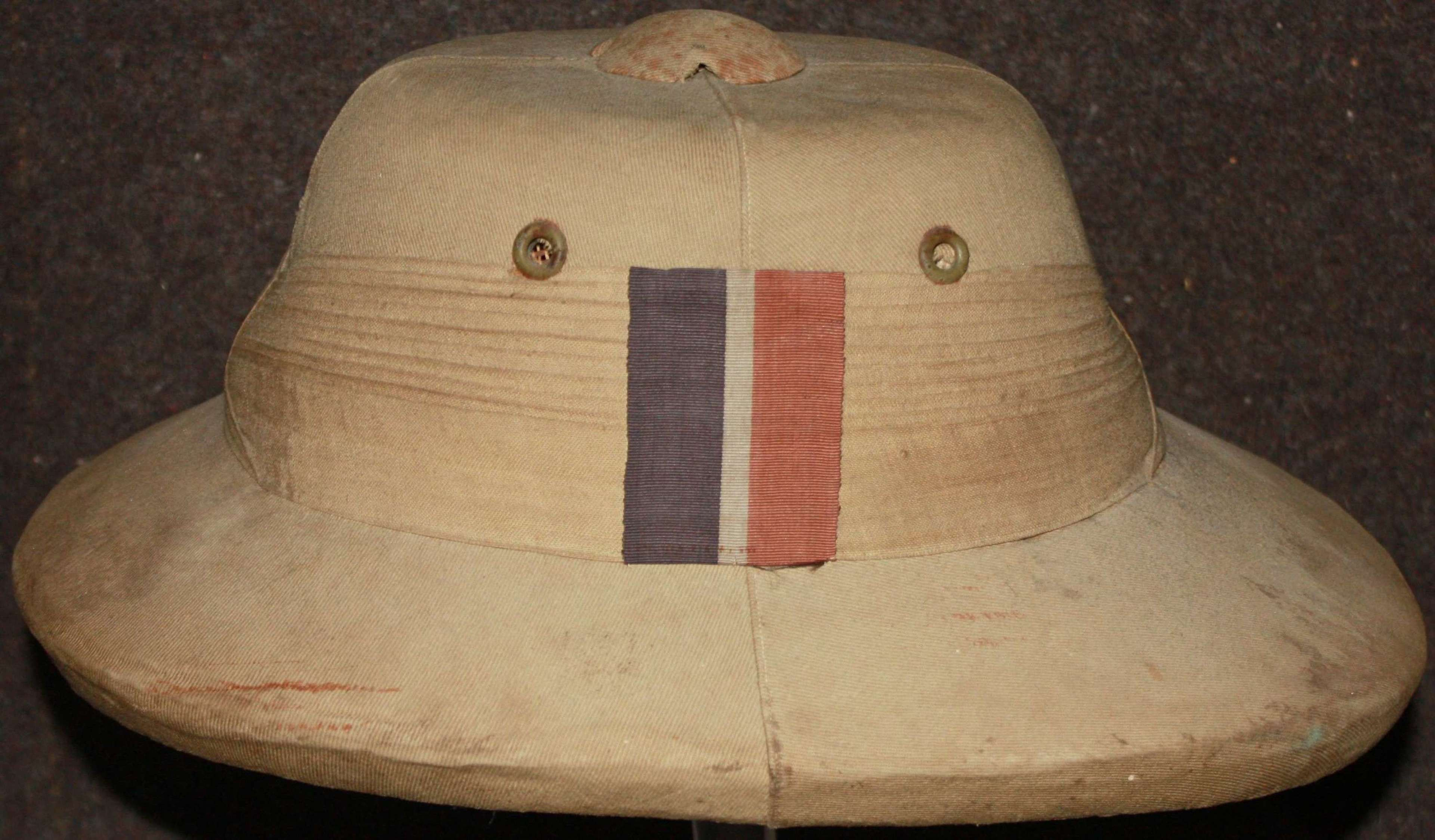 A WWII PERIOD RAF CAWNPORE STYLE SOLAR HELMET T