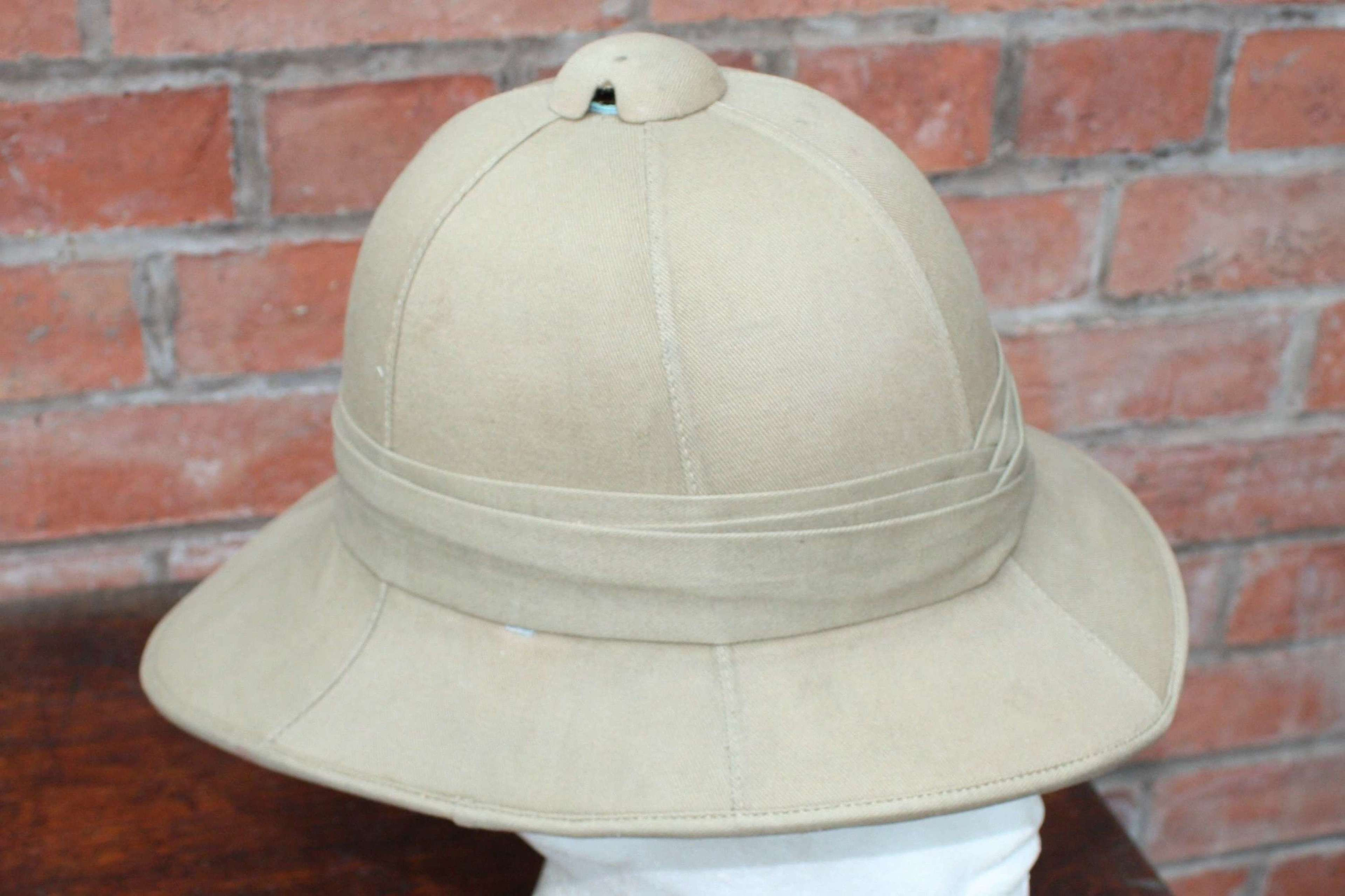 EARLY WW2 BRITISH ARMY OTHER RANKS PITH HELMET