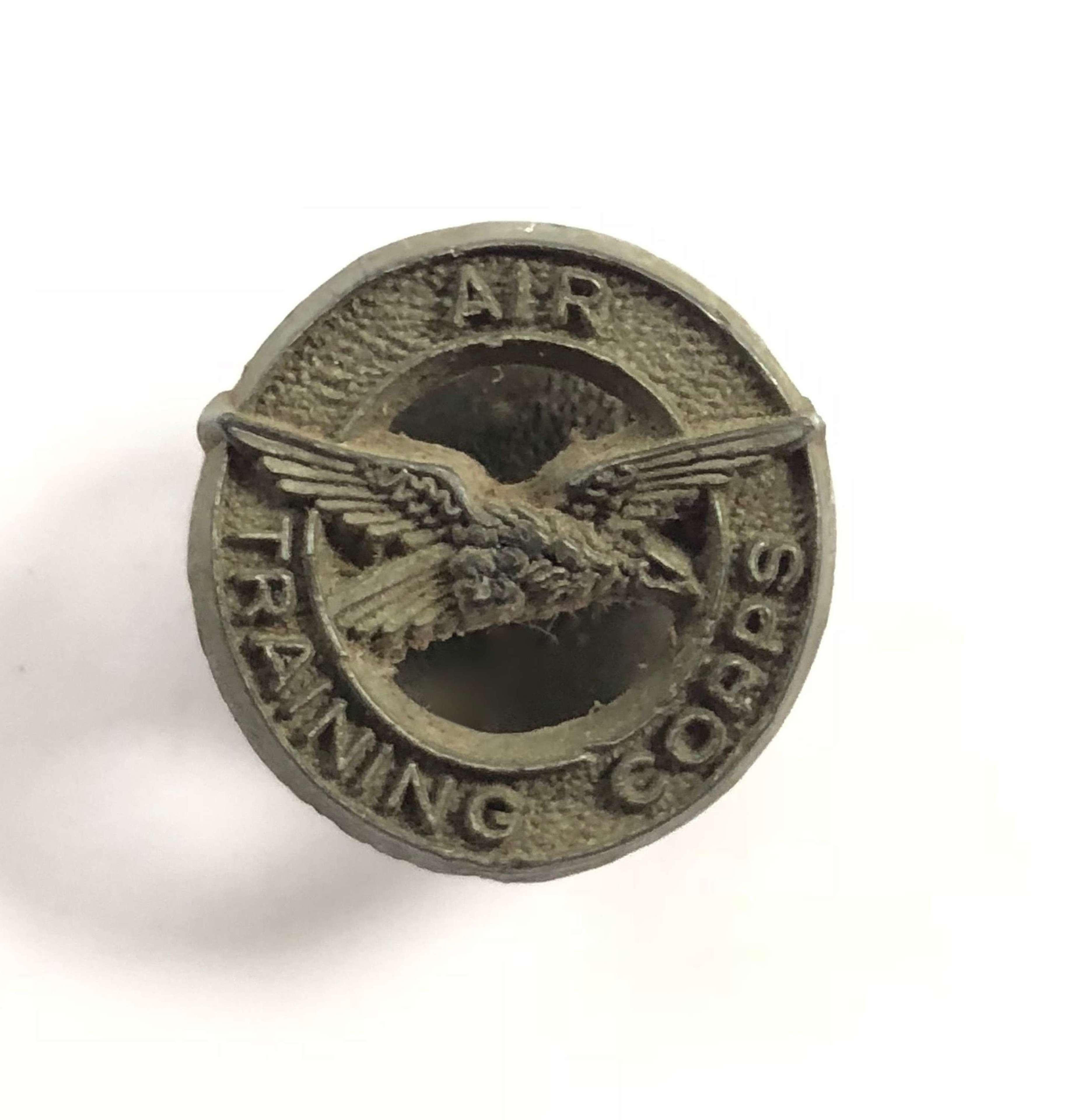 WW2 RAF Air Training Corps Plastic Bakerlite Economy Lapel Badge.