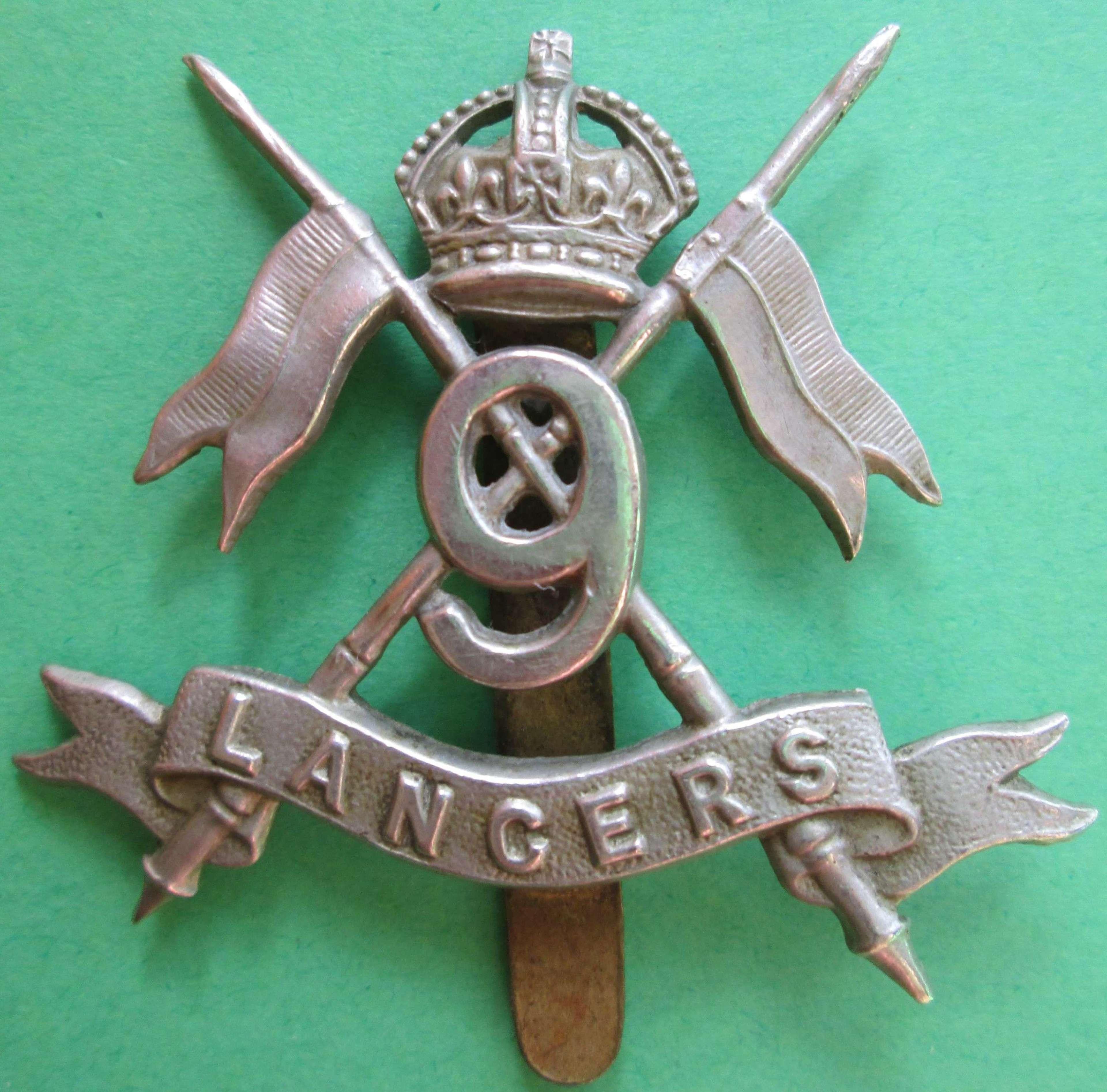 9TH LANCERS WWII CAP BADGE