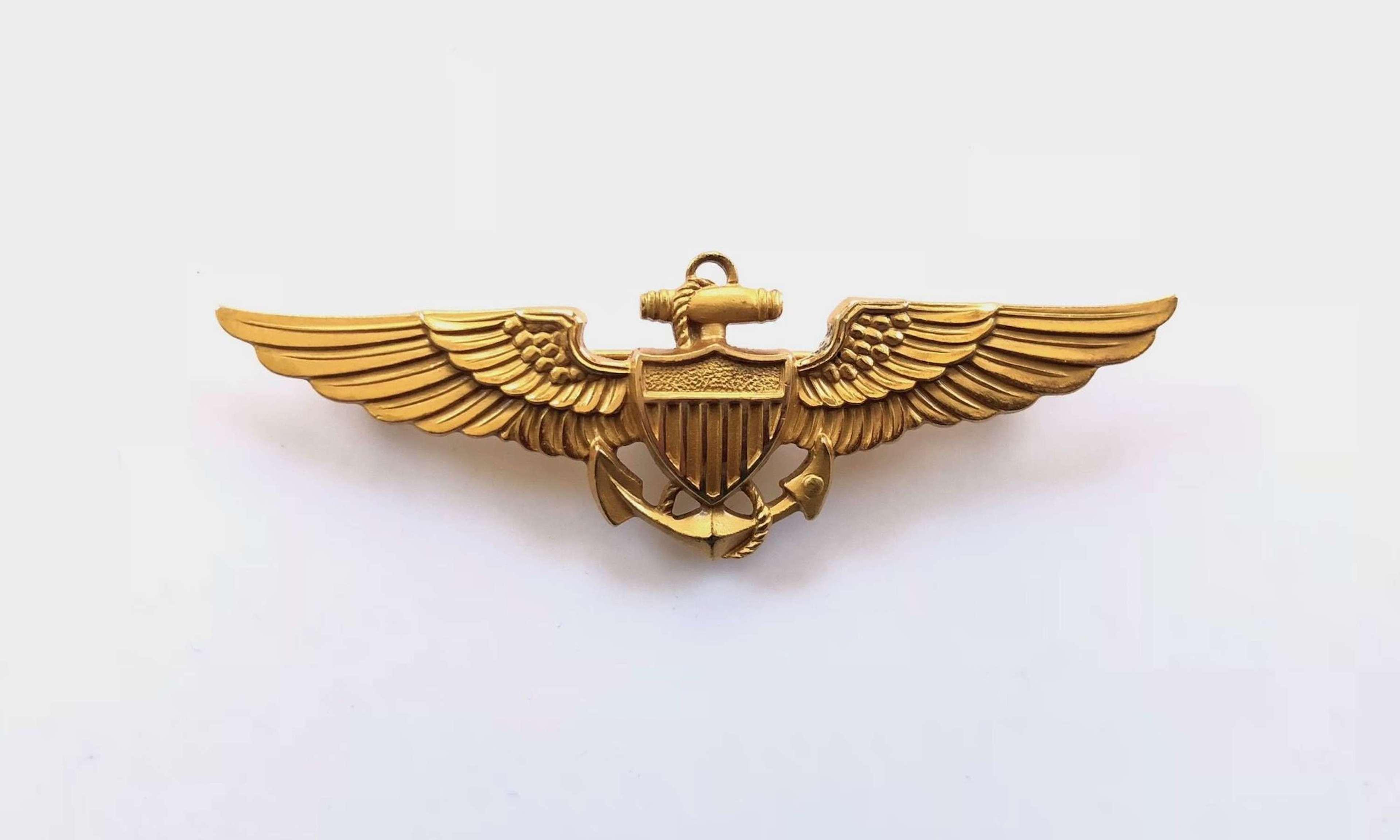 WW2 Pattern US Navy Pilot Wings Pin Fitting.