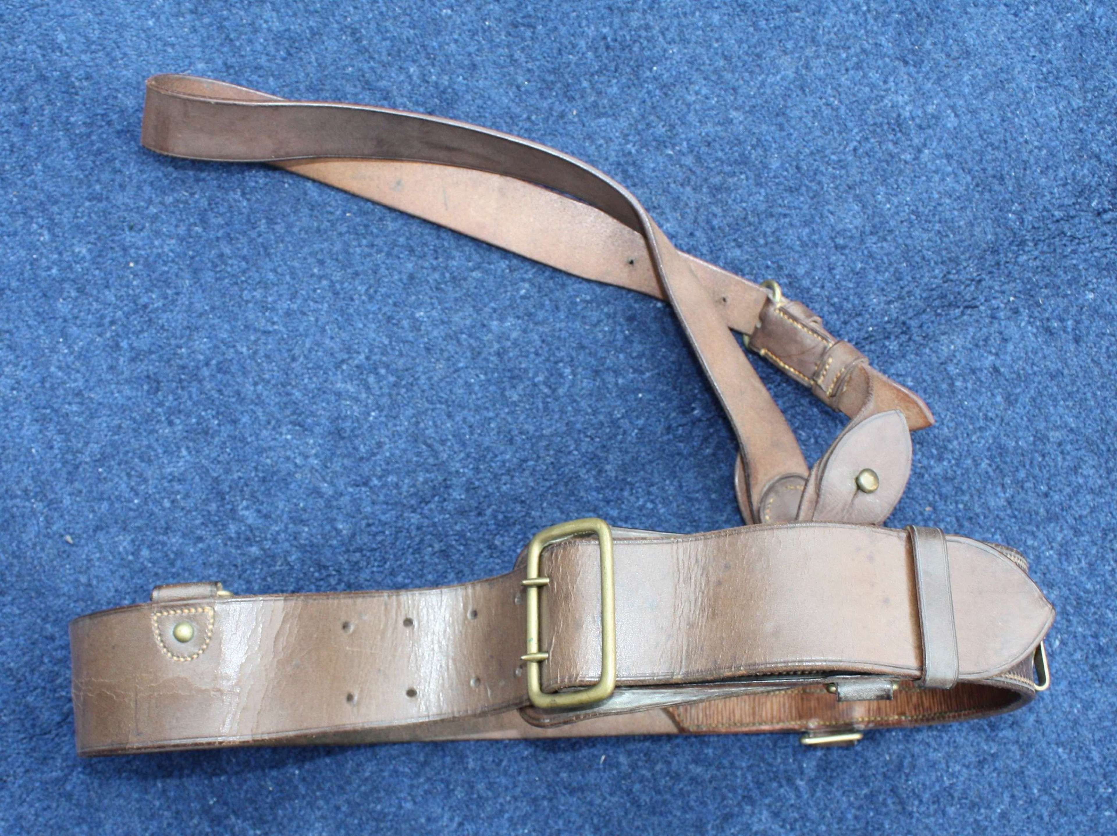 1918 DATED BRITISH ARMY OFFICERS LEATHER SAM BROWNE BELT & CROSS STRAP