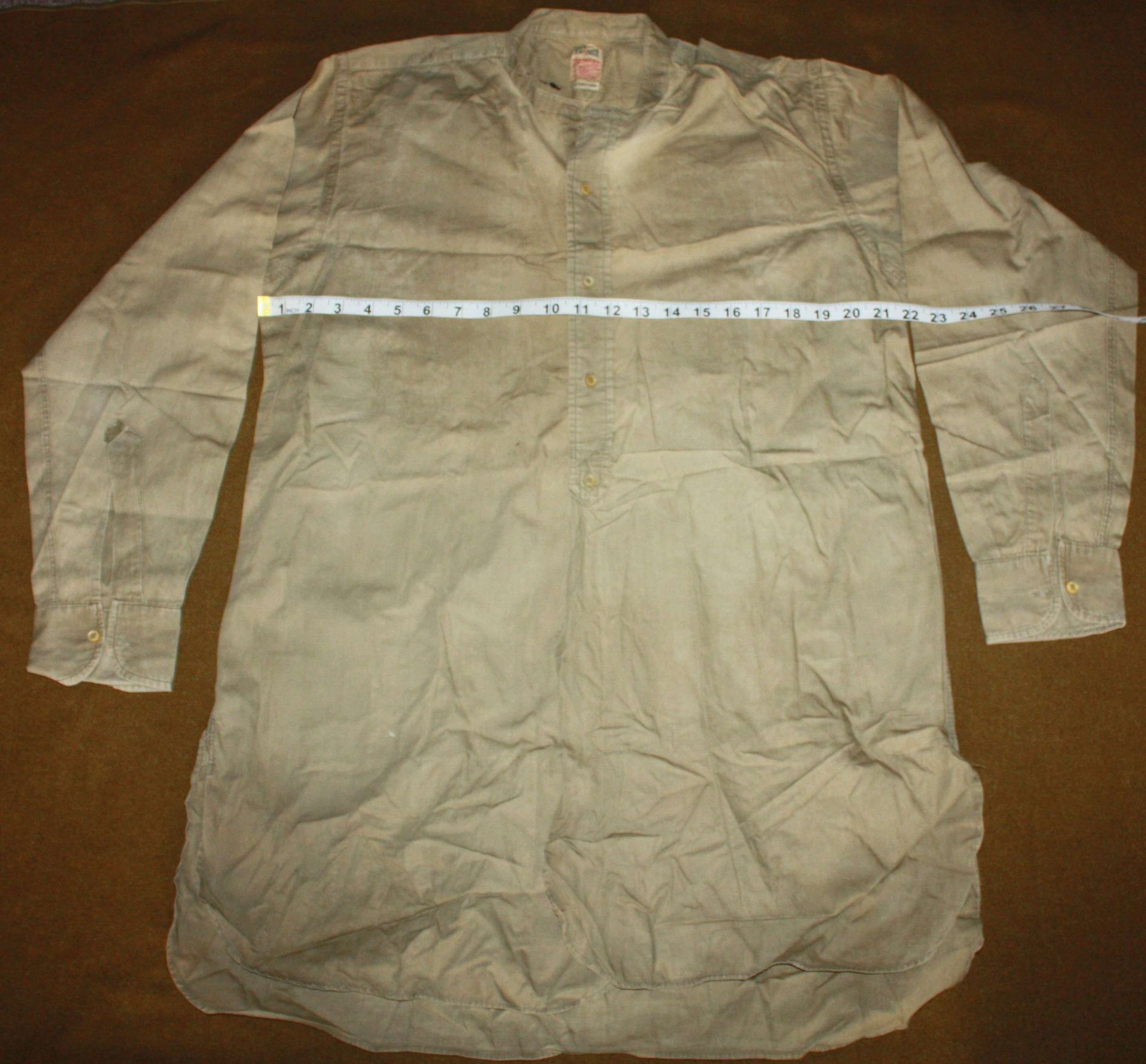 A OFFICERS WWII PERIOD FULL BUTTON FRONTED SHIRT