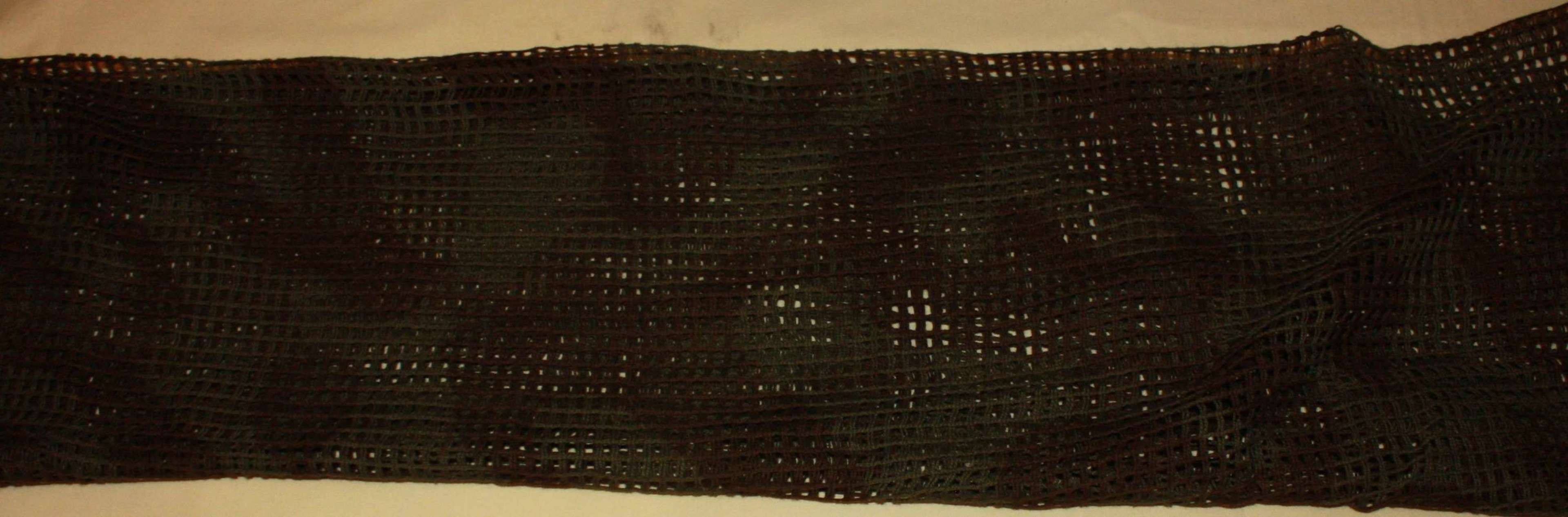 A WWII BRITISH ISSUE COMFLAGE SCARF