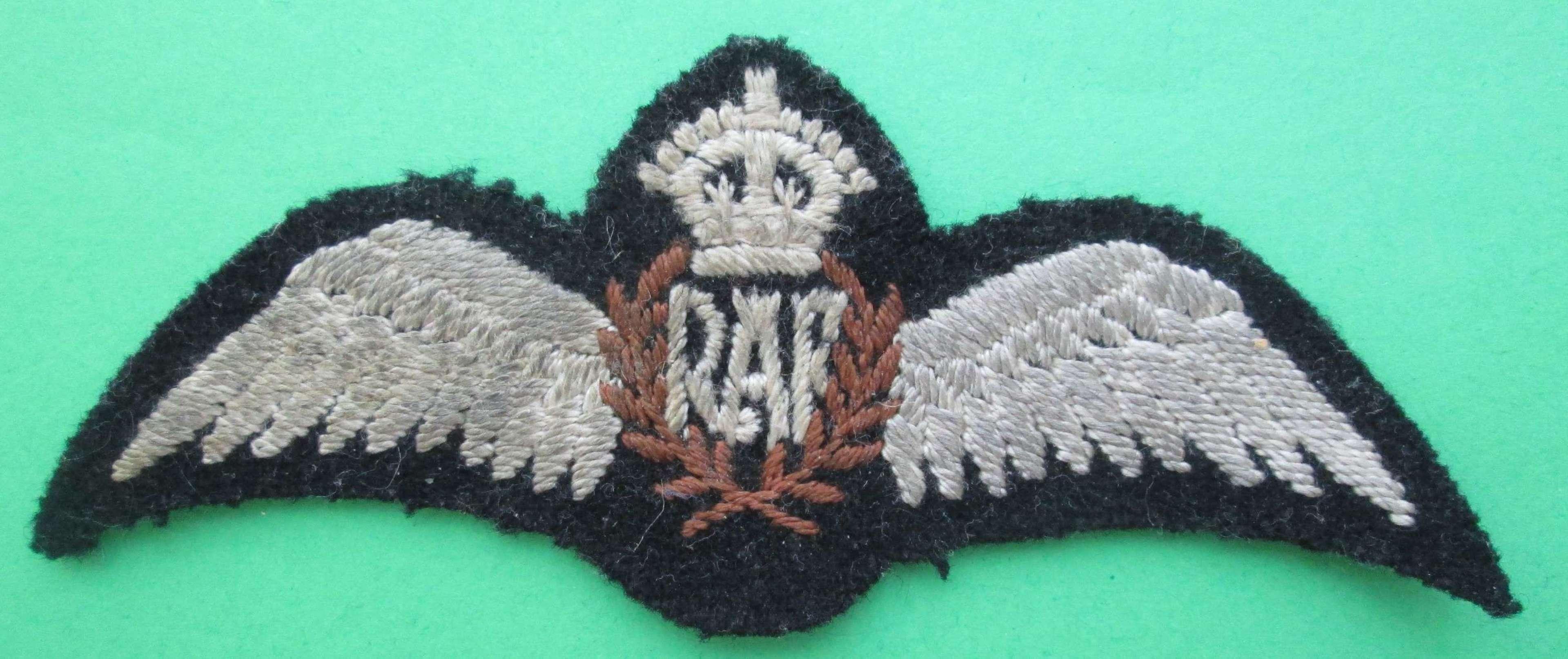 A GOOD WWII PERIOD FLAT RAF PILOTS WING