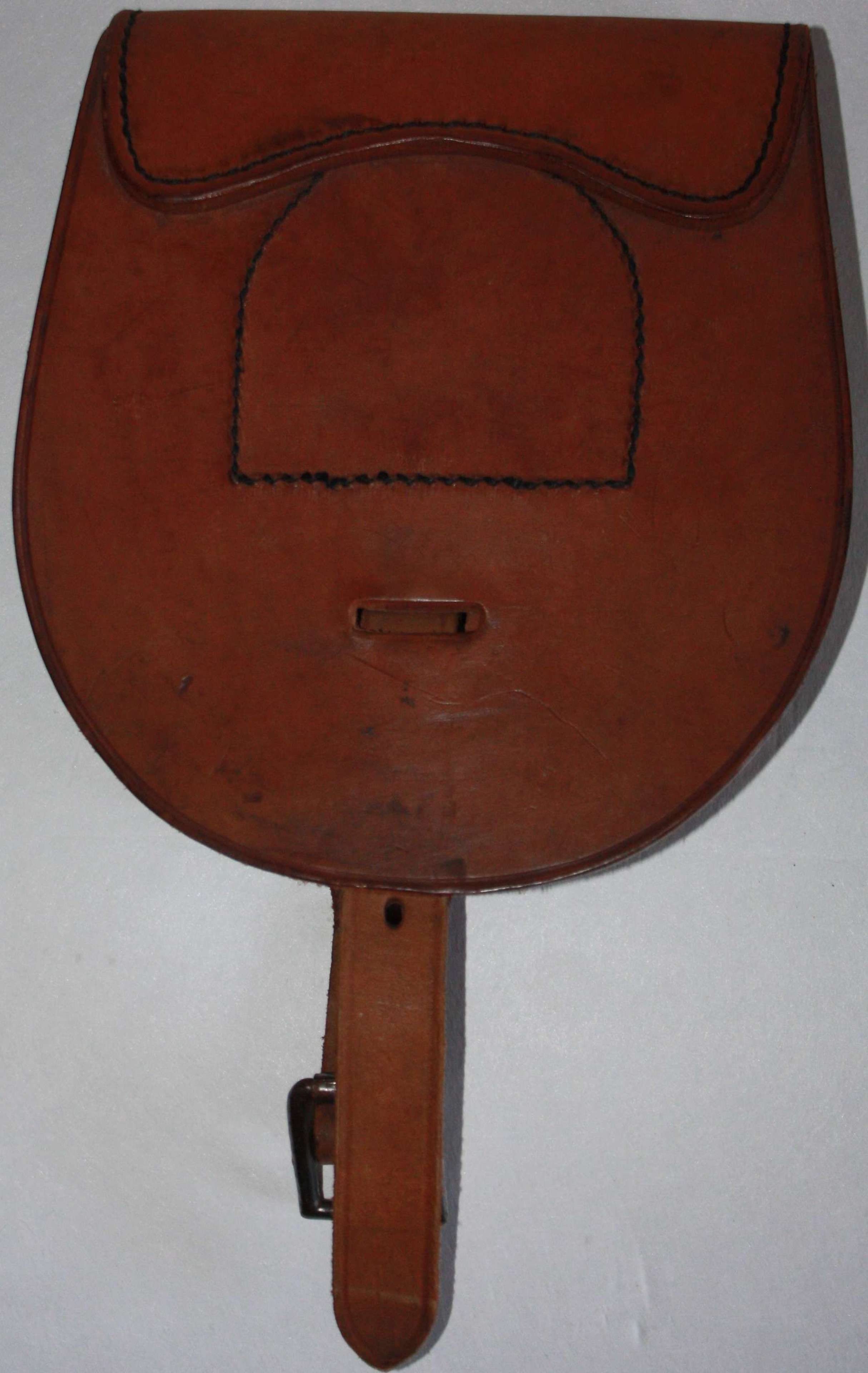 A VERY GOOD EXAMPLE OF THE BRITSH WWII HOSES / MULE SHOE POUCH