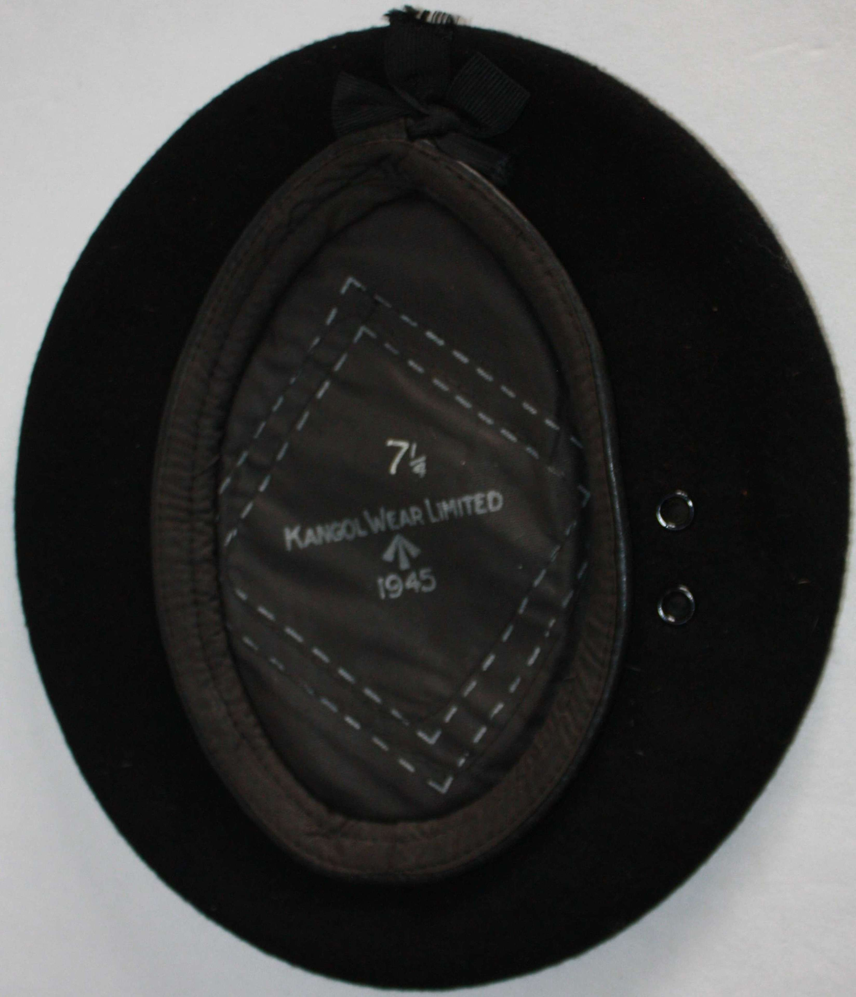A GOOD WWII 1945 DATED LARGE SIZE BLACK BERET