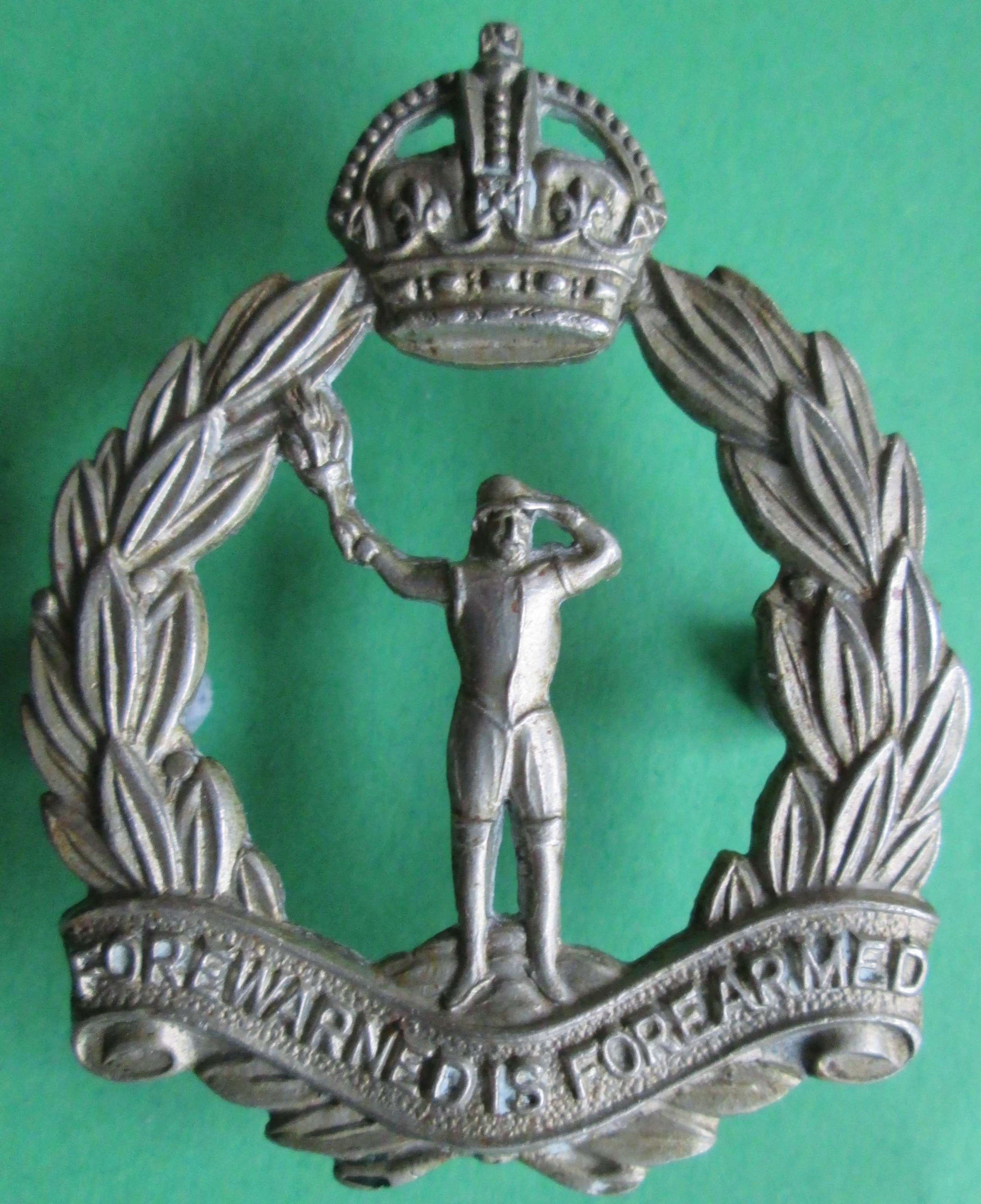 A GOOD OTHER RANKS OBSERVER CORPS CAP BADGE