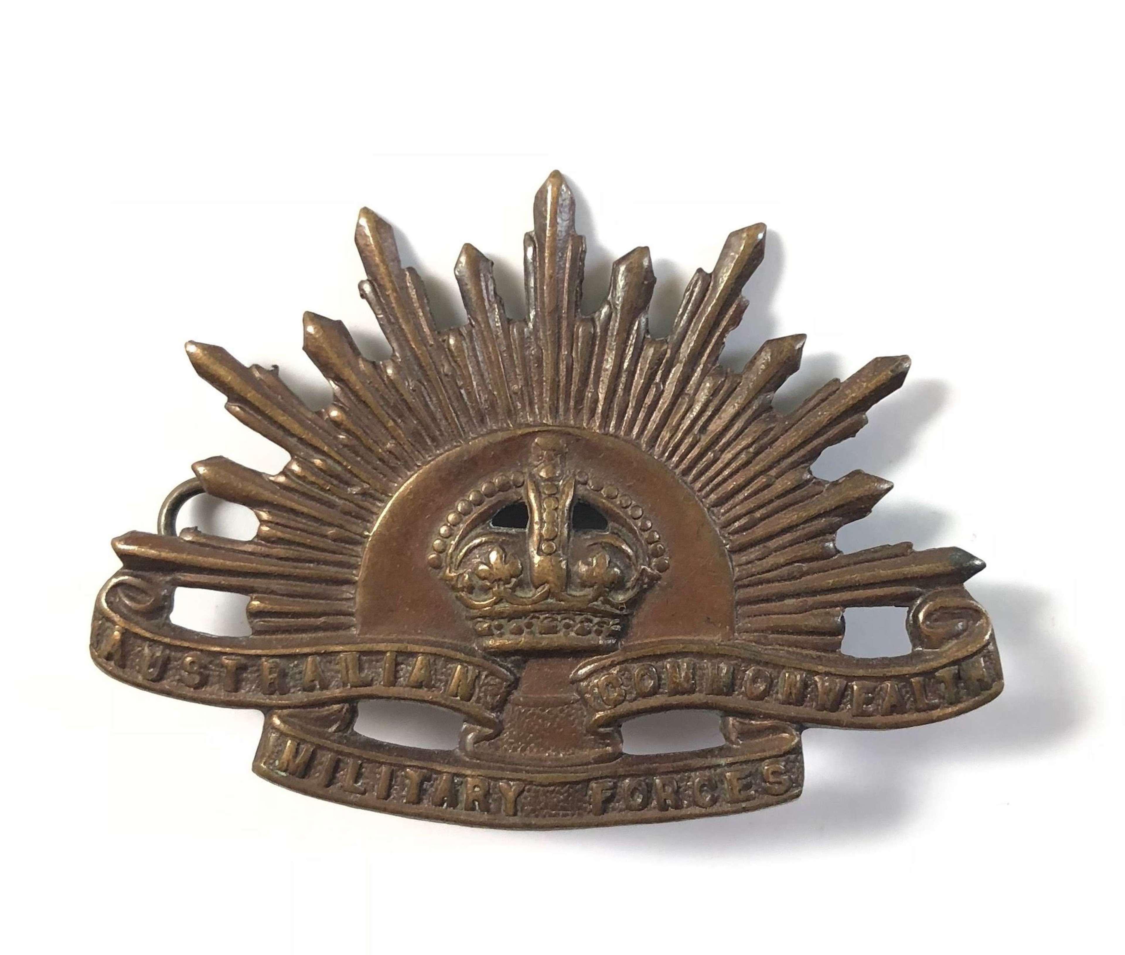 WW1/ WW2 Australian Imperial Forces Cap Badge.