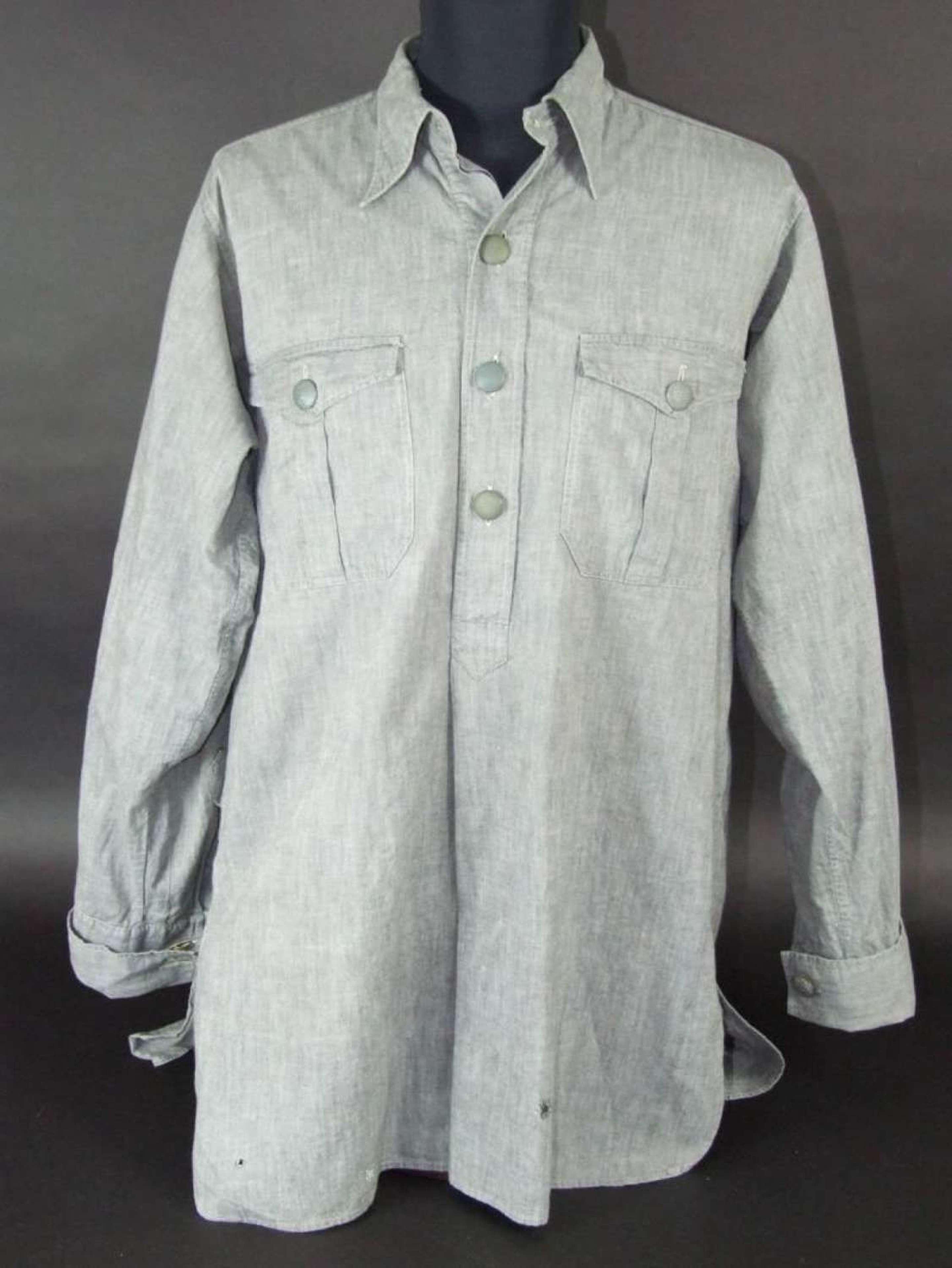 A blue grey Lufwaffe Shirt (Stoffhemd)