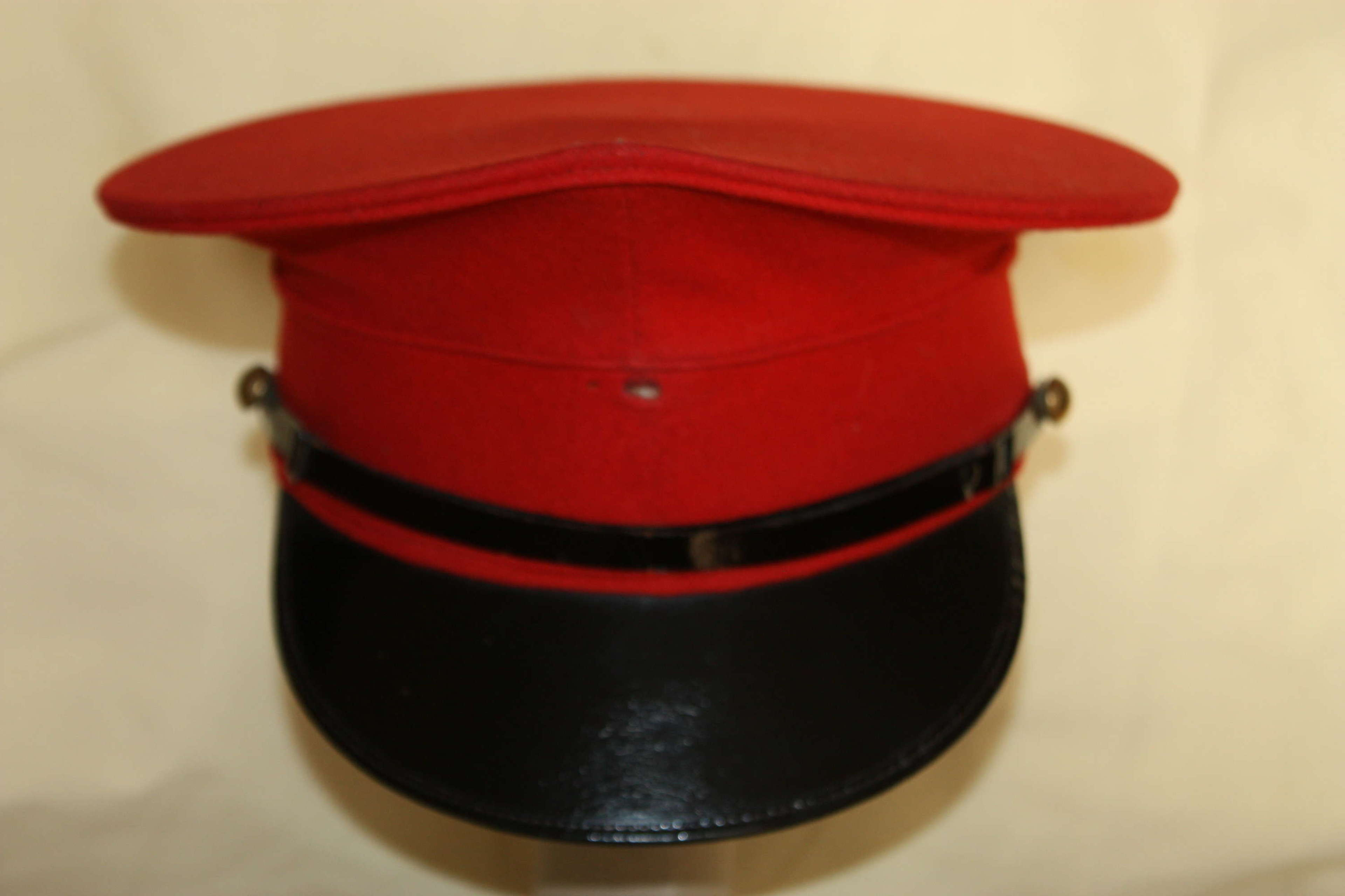 A VERY  RARE GOOD LATER INTER WAR PERIOD CAVLARY PEAKED CAP