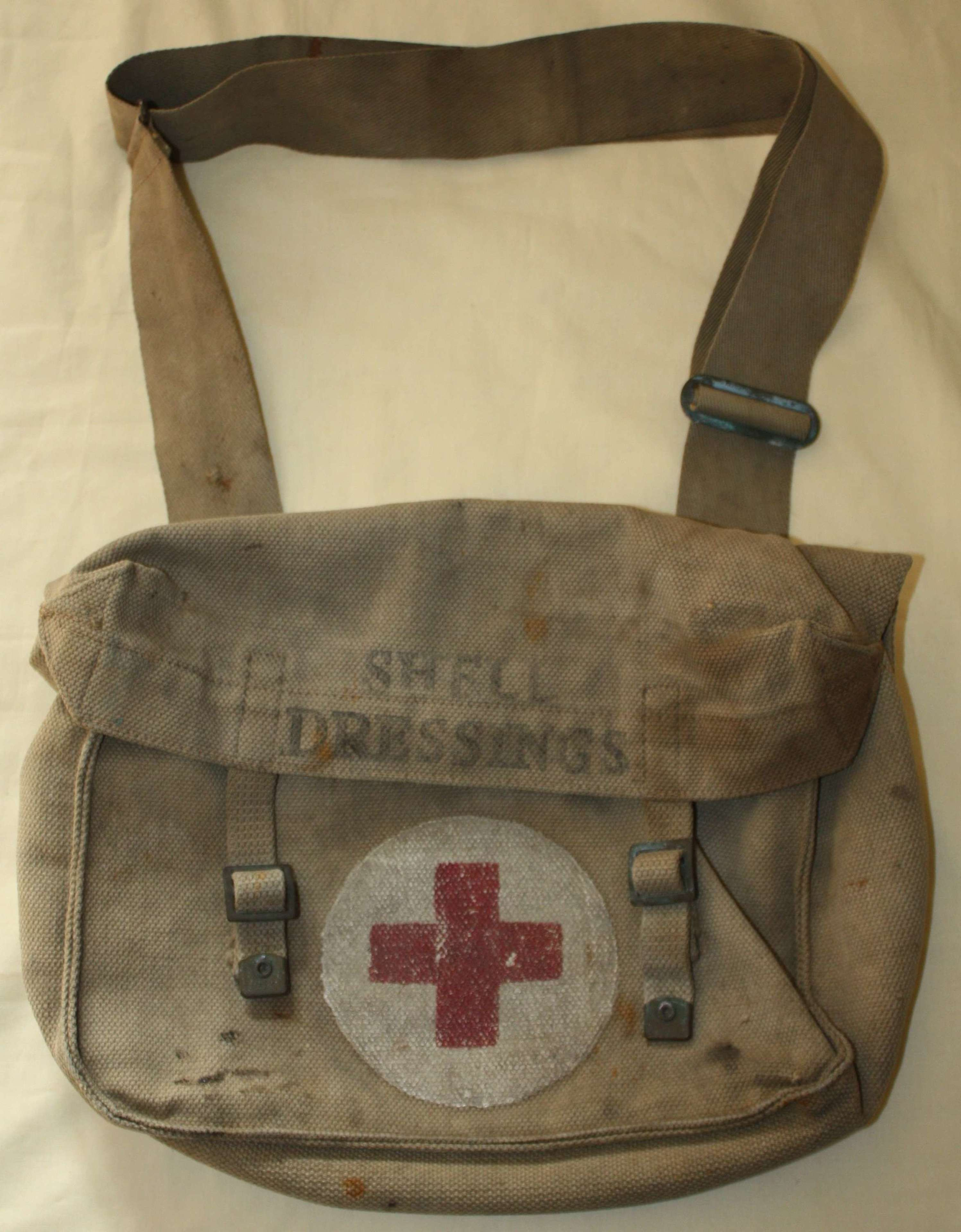 A GOOD EARLY WWII BEF PERIOD SHELL DRESSING MEDICAL BAG 1939 DATED