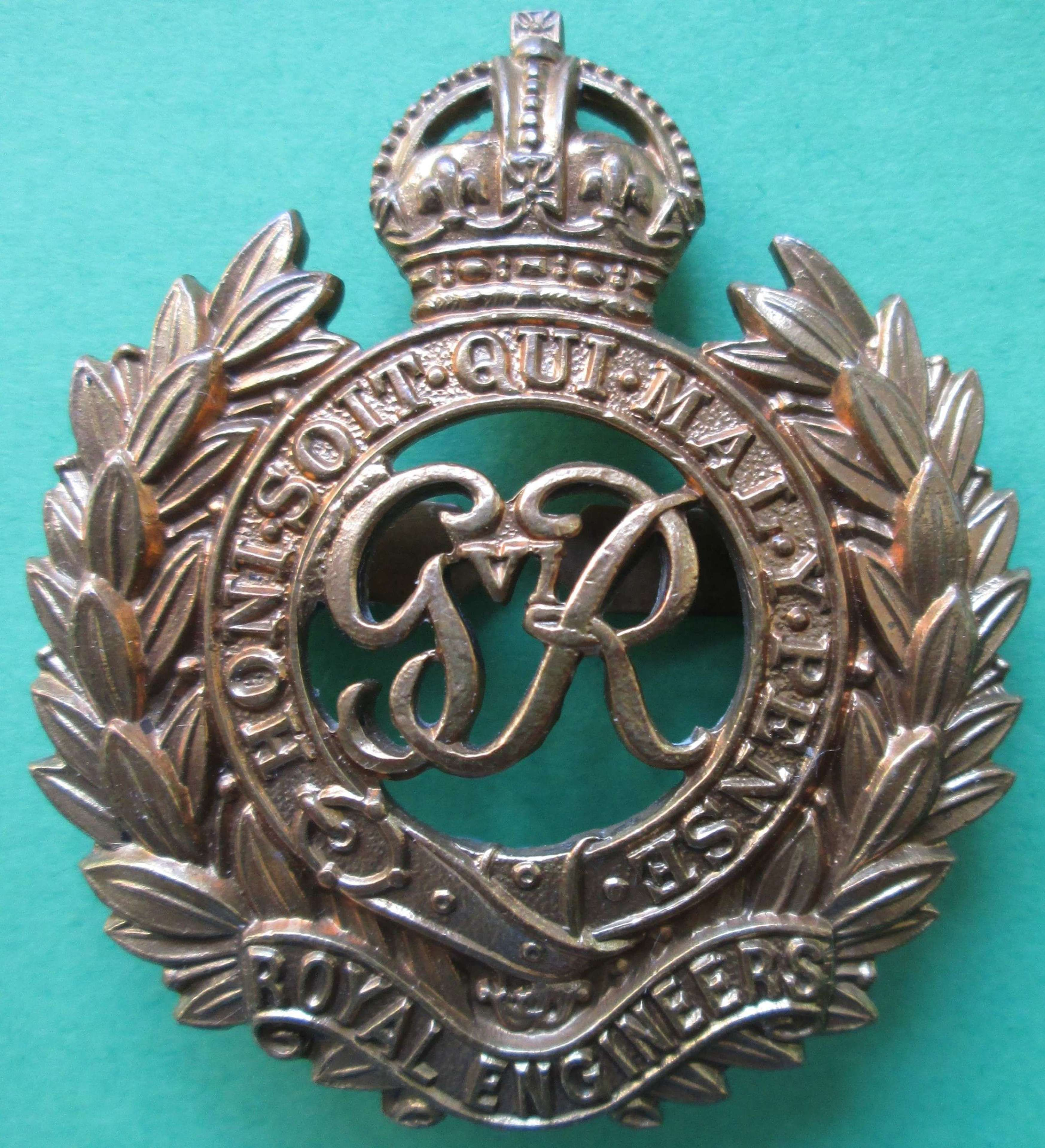 A GOOD WWII PERIOD OFFICER ROYAL ENGINEERS CAP BADGE