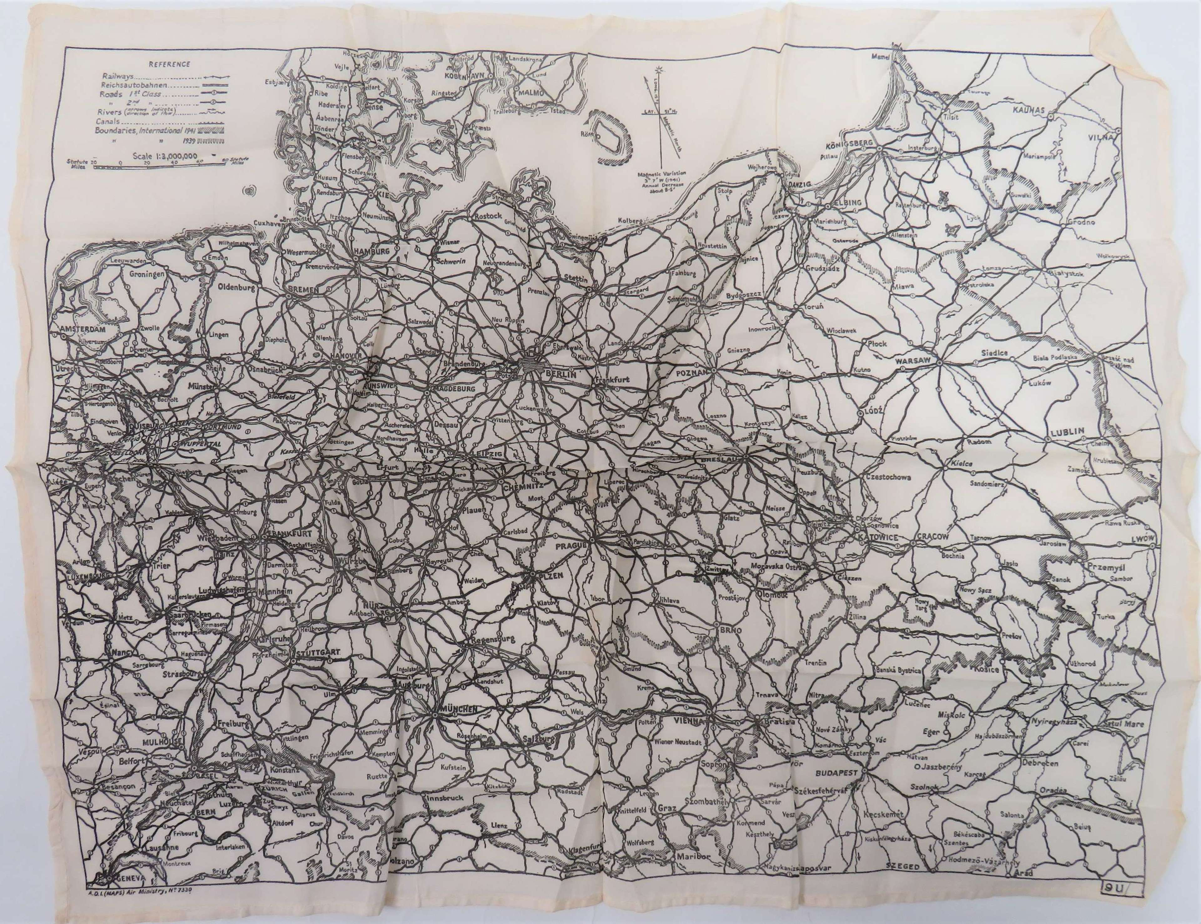 Early WW2 R.A.F Monochrome Small Size Silk Escape Map of Germany