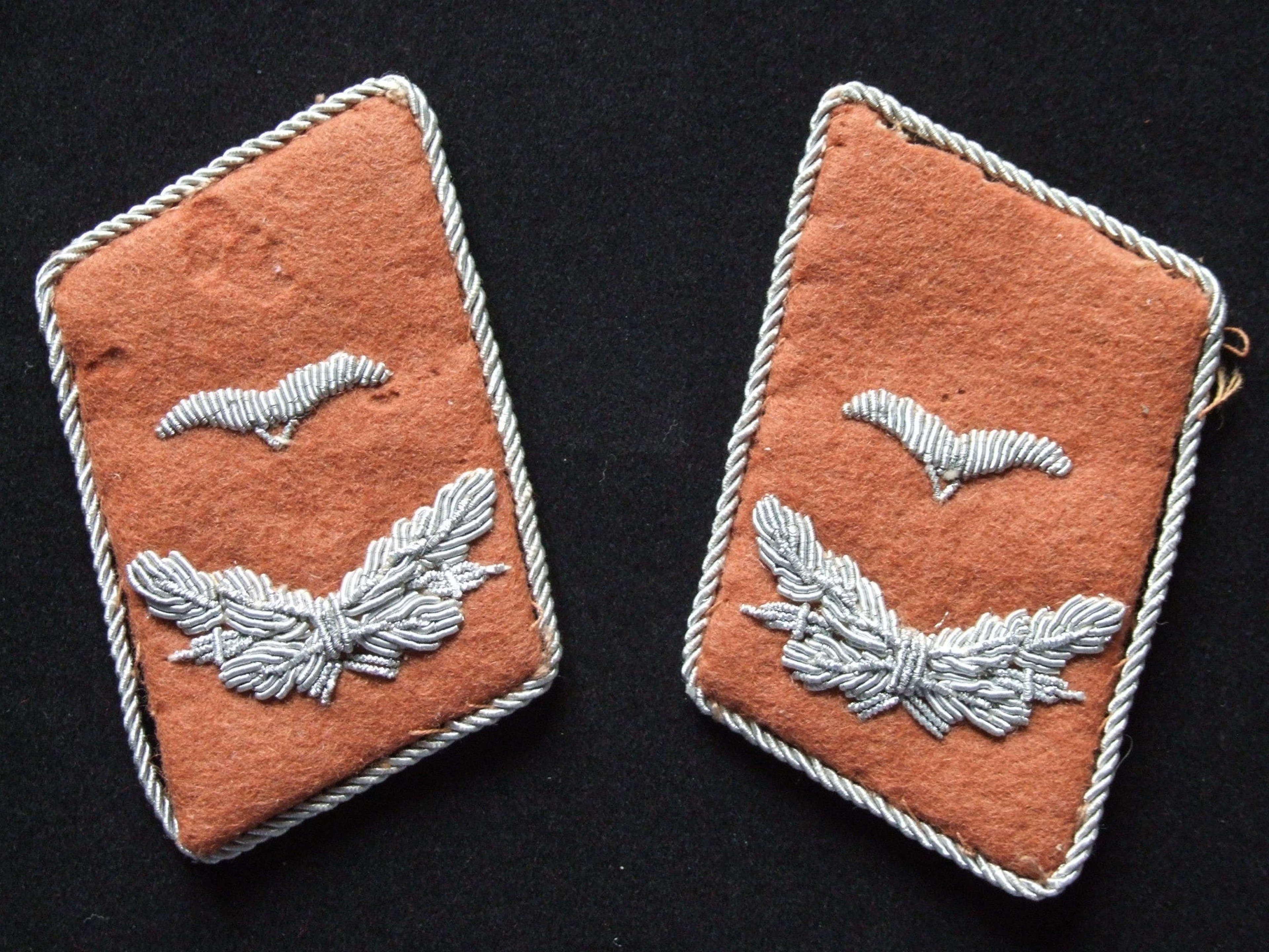 Luftwaffe Signals Leutnant Collar tabs
